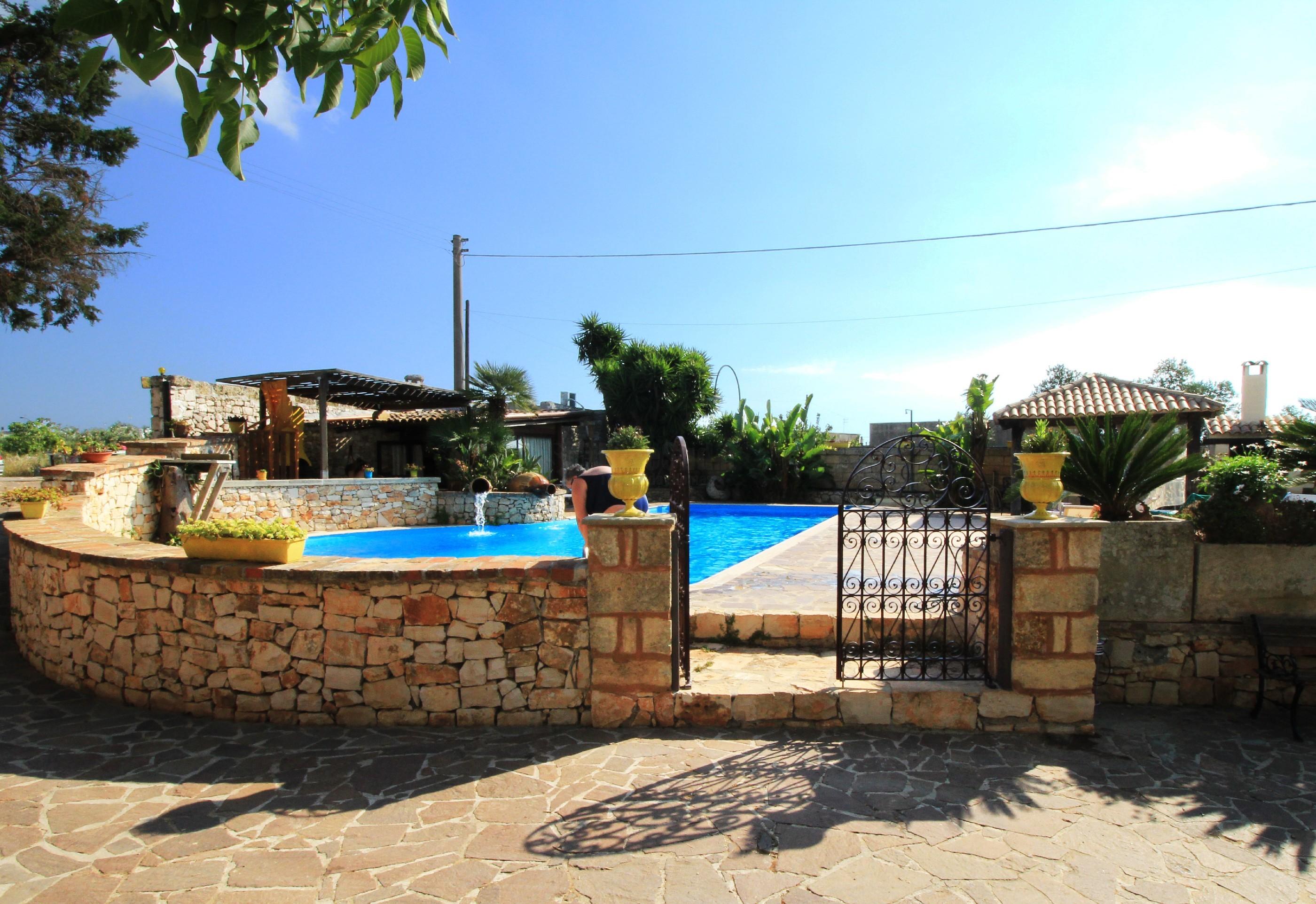 Apartment Merlo Trullo con piscina photo 20369932