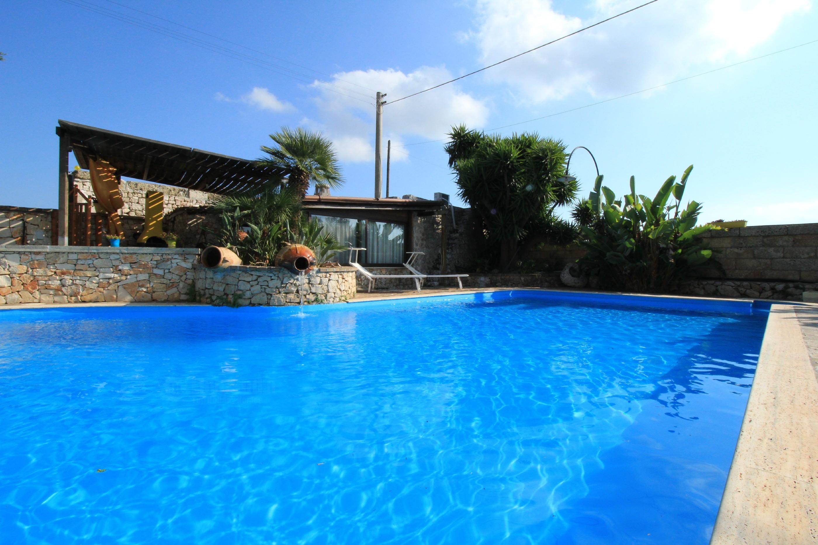 Merlo Trullo con piscina photo 20369926