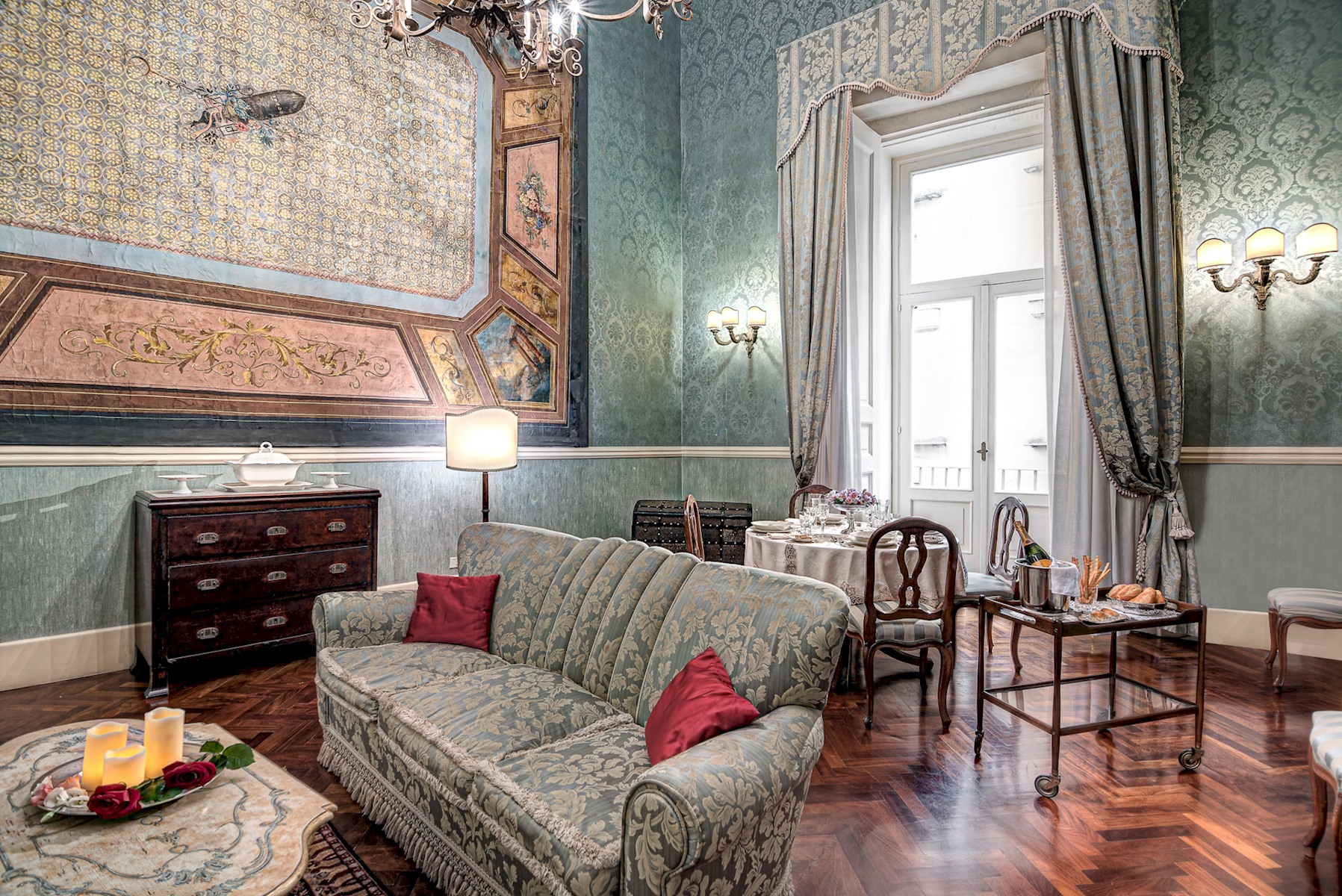 Apartment Arthouse - Lady Mary s Tribunali Luxury Suite - Naples Historical Centre photo 18055855
