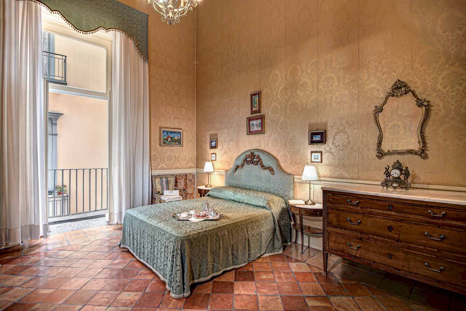 Arthouse - Lady Mary's Tribunali Luxury Suite - Naples Historical Centre photo 17959935