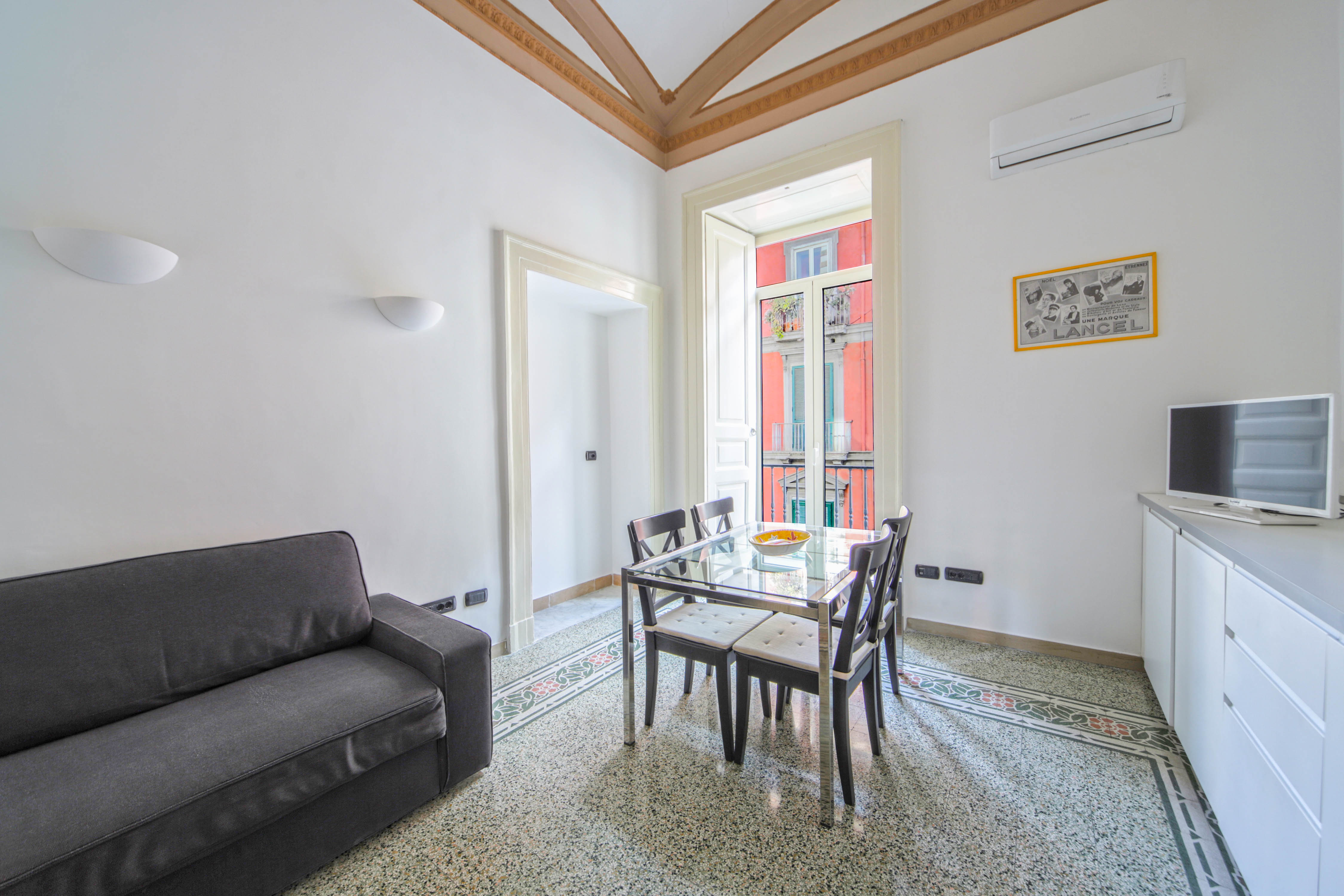 Casa Dante - Historic apartment in the perfect Naples location photo 20428026