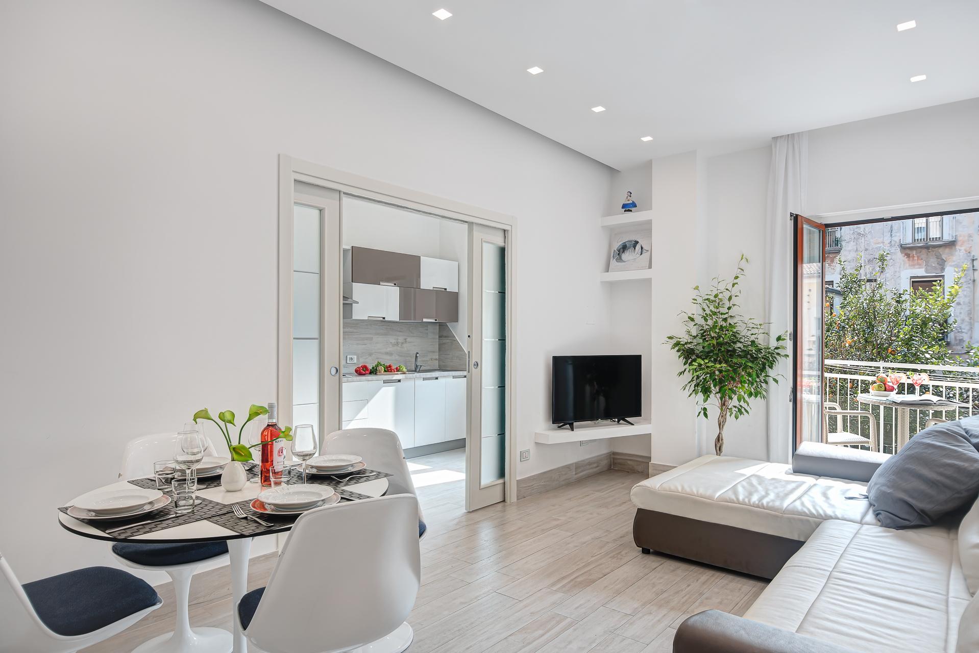 El Royale Suites Sorrento - Blanco photo 16087863