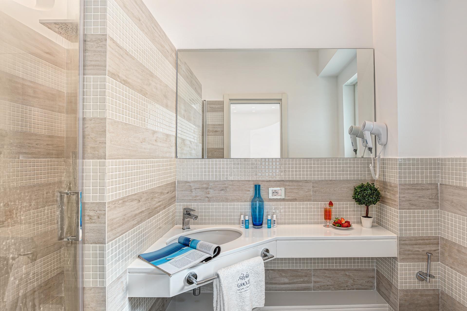 El Royale Suites Sorrento - Blanco photo 16233950