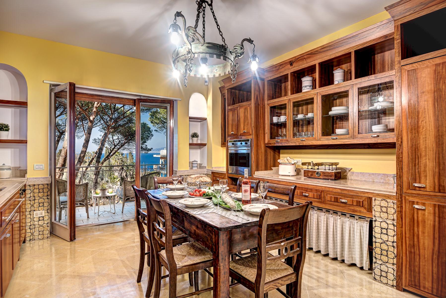 Apartment  El Royale Suites Sorrento - Gold photo 20295158