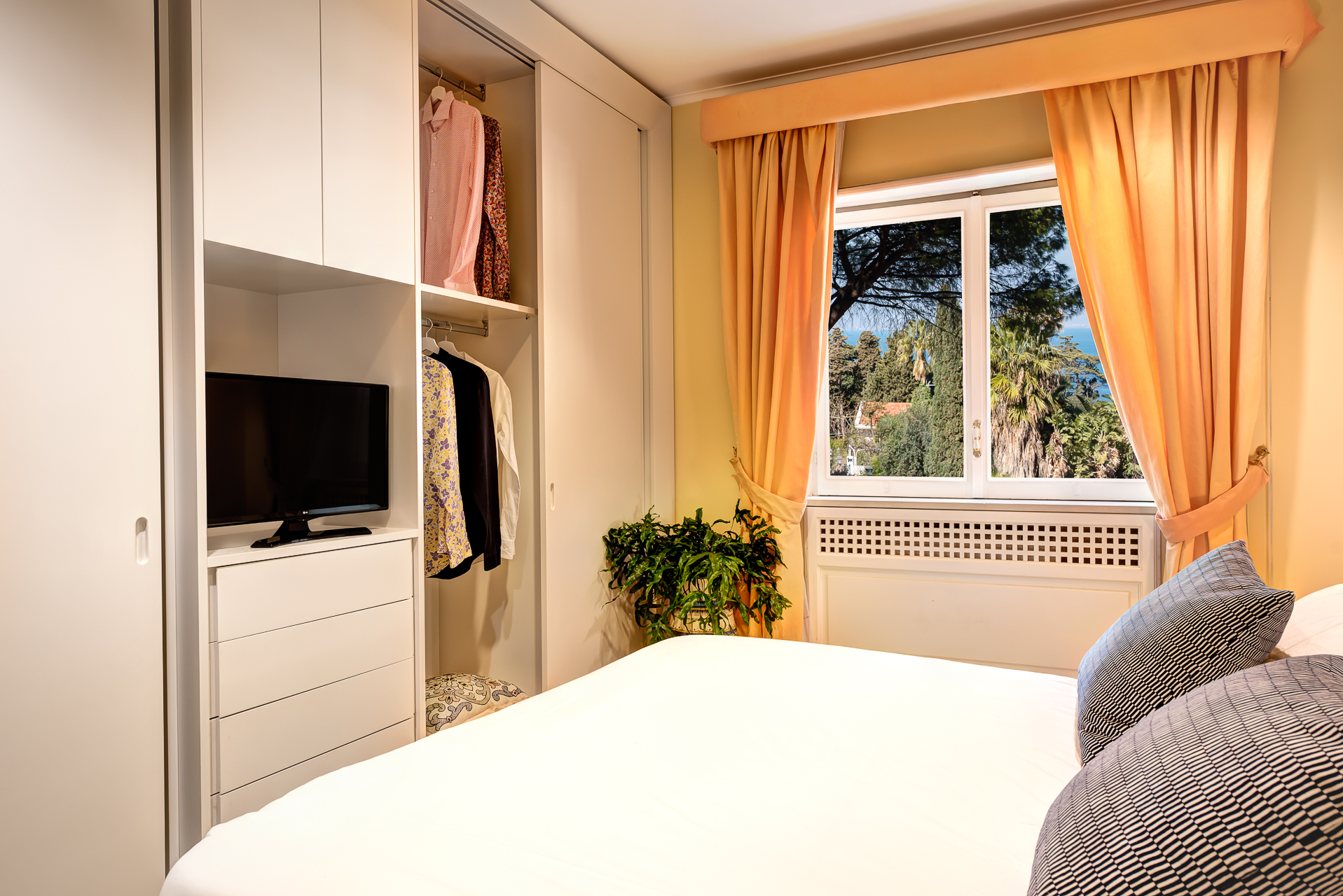 El Royale Suites Sorrento - Gold photo 20280705