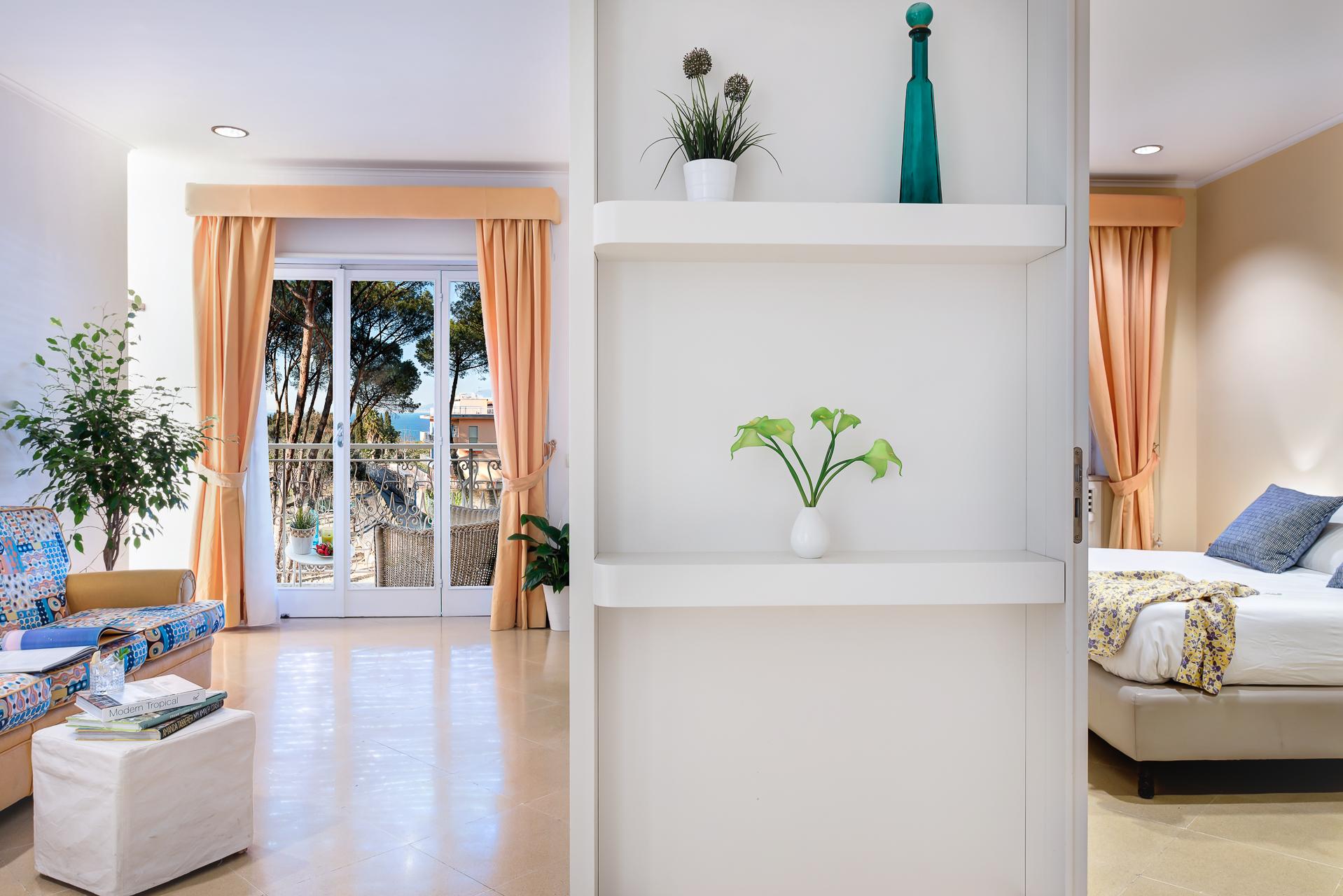 El Royale Suites Sorrento - Gold photo 20142604