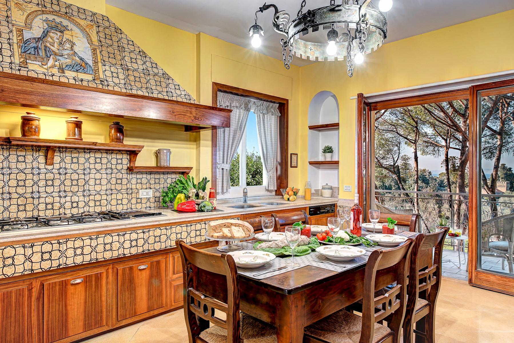 Apartment  El Royale Suites Sorrento - Gold photo 20410550