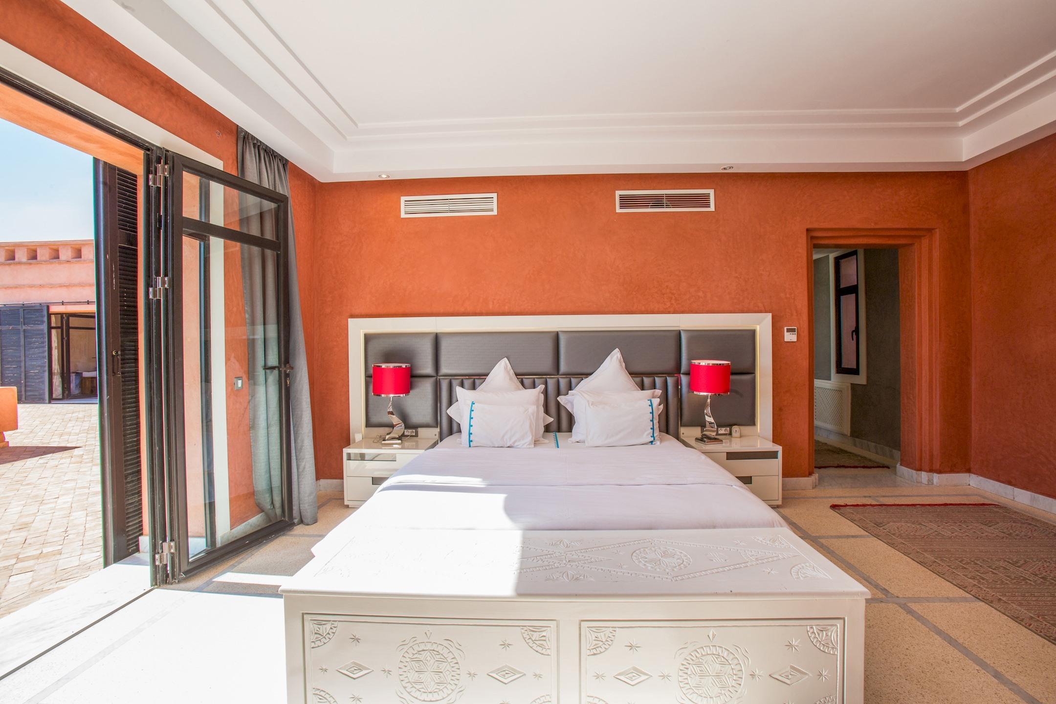 Apartment VILLA KOUTOUBIA - PISCINE CHAUFFEE  HAMMAM  JACUZZI  PETIT-DEJEUNER A MARRAKECH photo 20444598