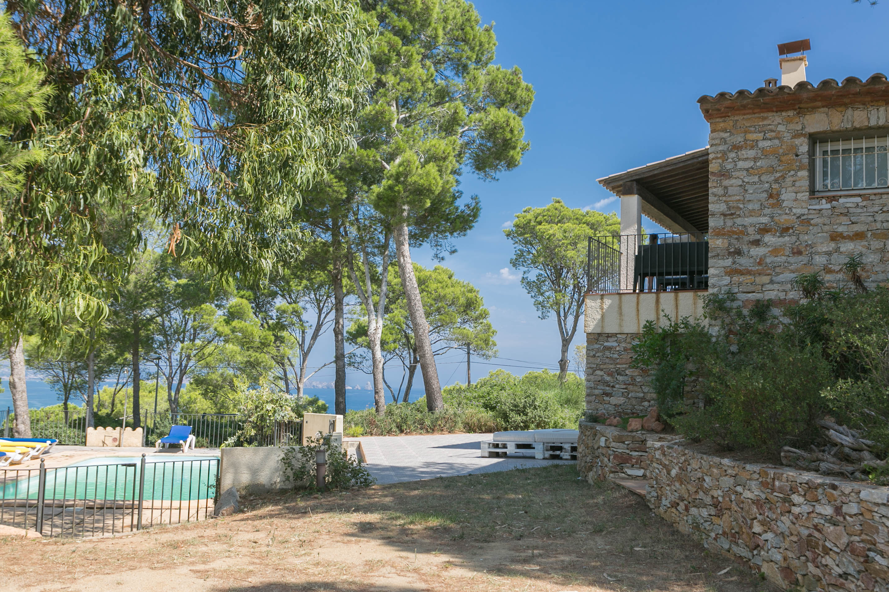 6 bedroom villa in Begur sea views close to the beach and  (Ref:H40) 3