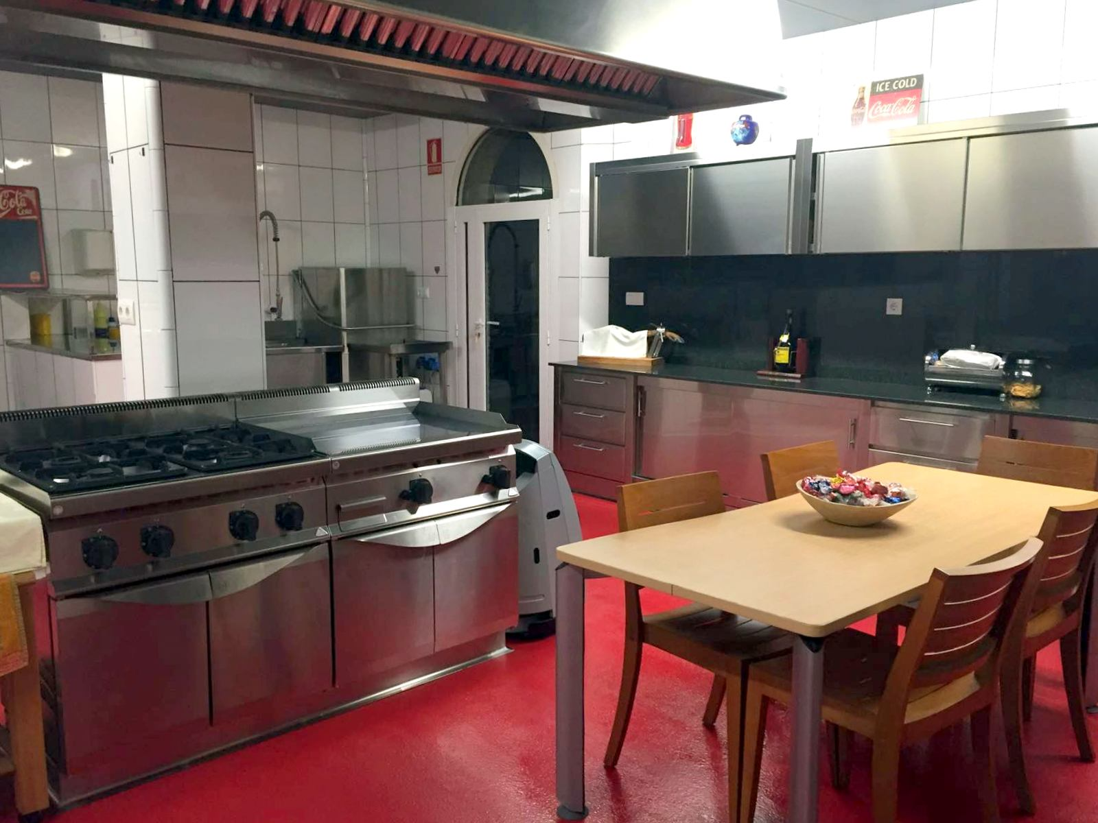 Apartment MAS FERRAN  PRECIOSA VILLA DE LUJO CON PISTA DE TENIS  PISCINA  GIMNASIO Y WIFI GRATUITO photo 26310901