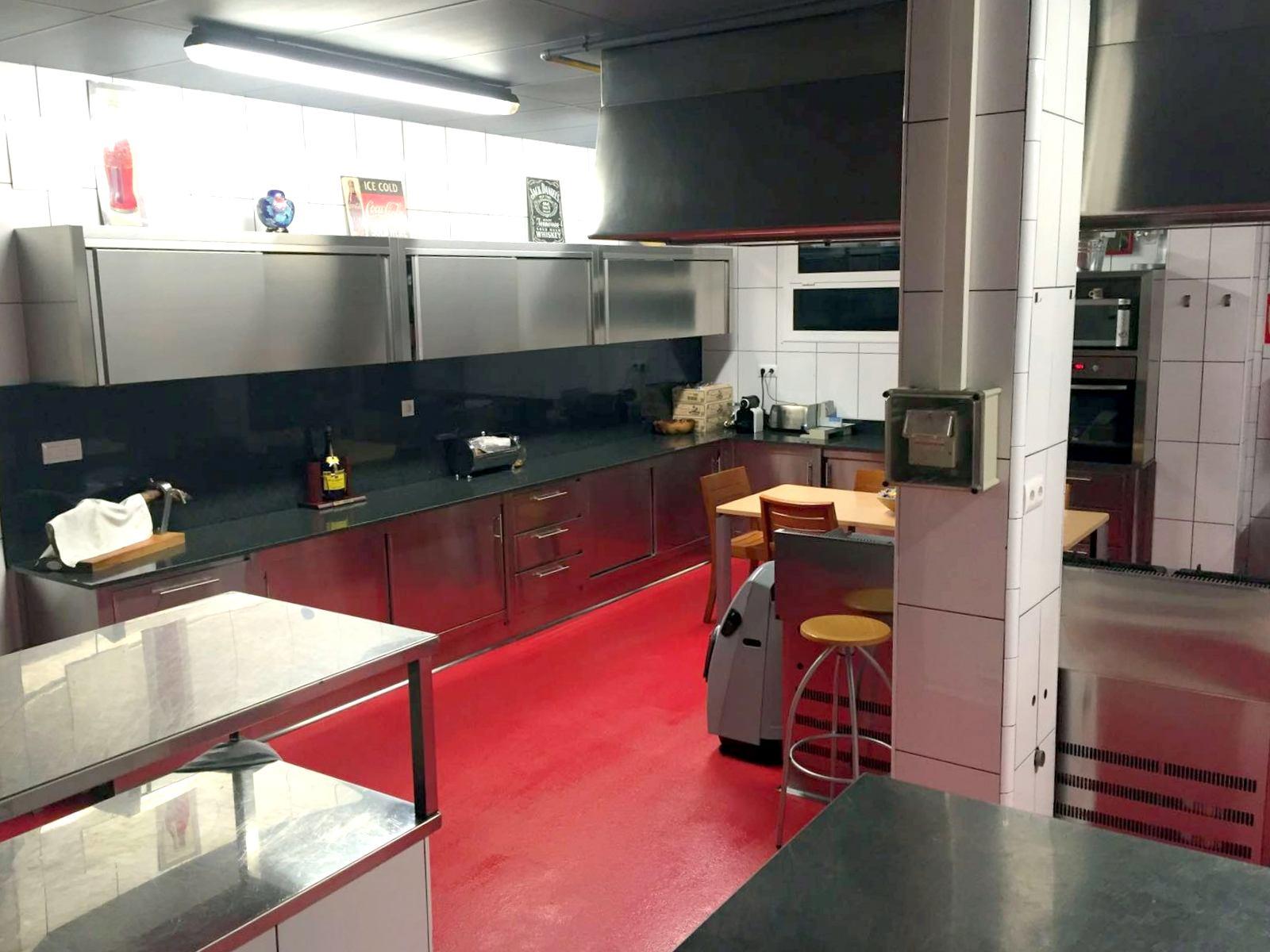 Apartment MAS FERRAN  PRECIOSA VILLA DE LUJO CON PISTA DE TENIS  PISCINA  GIMNASIO Y WIFI GRATUITO photo 26310902