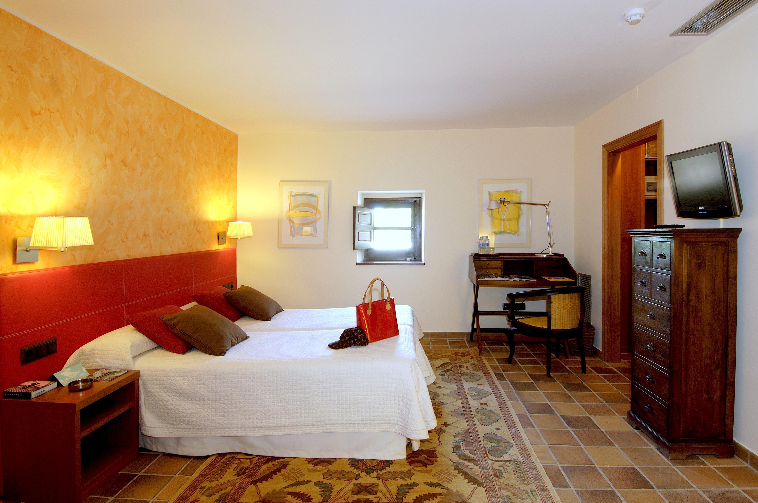 Apartment MAS FERRAN  PRECIOSA VILLA DE LUJO CON PISTA DE TENIS  PISCINA  GIMNASIO Y WIFI GRATUITO photo 26310912