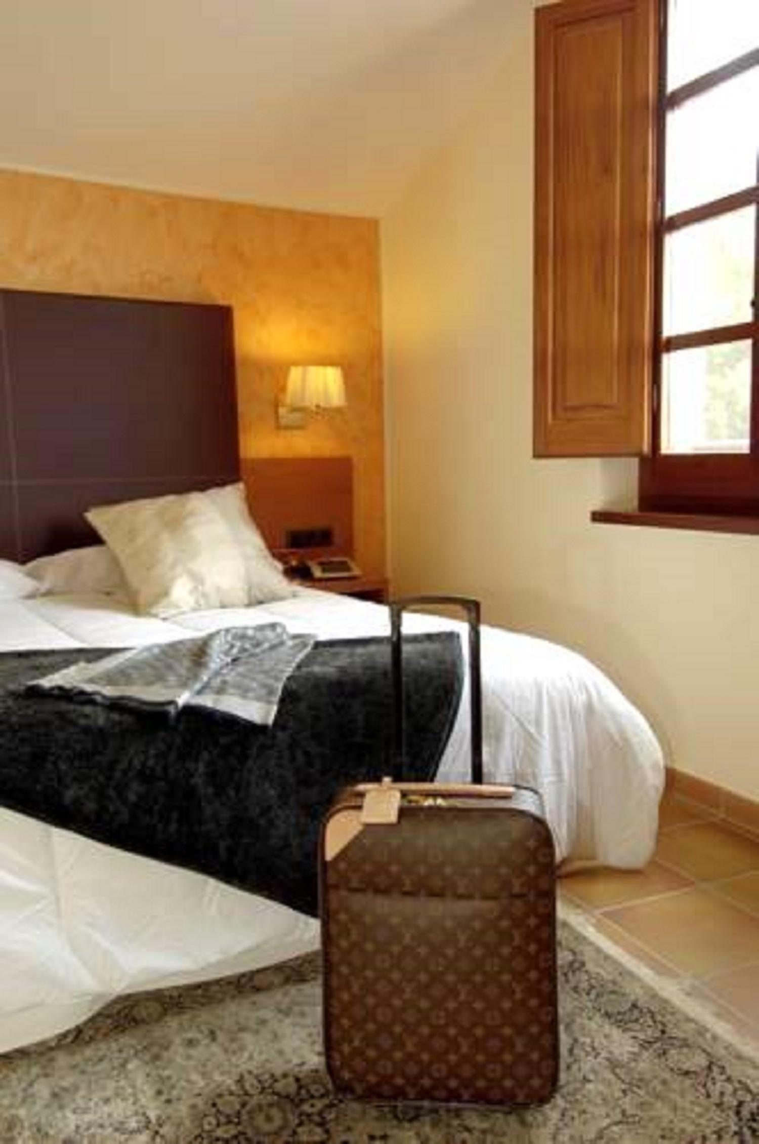 Apartment MAS FERRAN  PRECIOSA VILLA DE LUJO CON PISTA DE TENIS  PISCINA  GIMNASIO Y WIFI GRATUITO photo 26310911