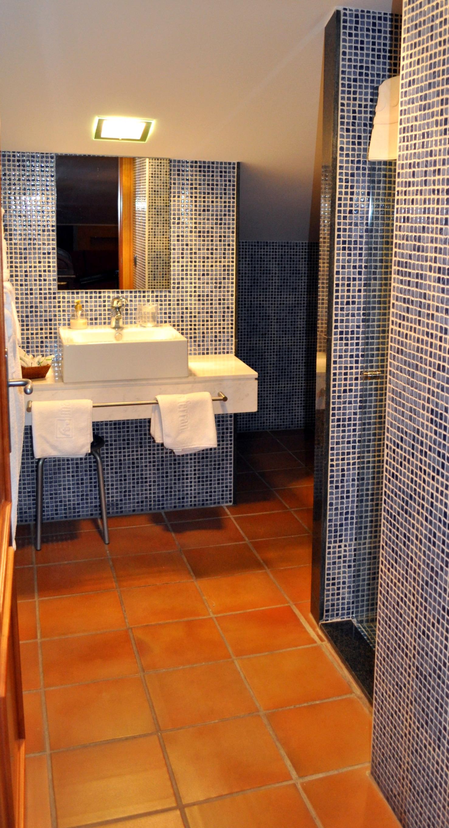 Apartment MAS FERRAN  PRECIOSA VILLA DE LUJO CON PISTA DE TENIS  PISCINA  GIMNASIO Y WIFI GRATUITO photo 26310915
