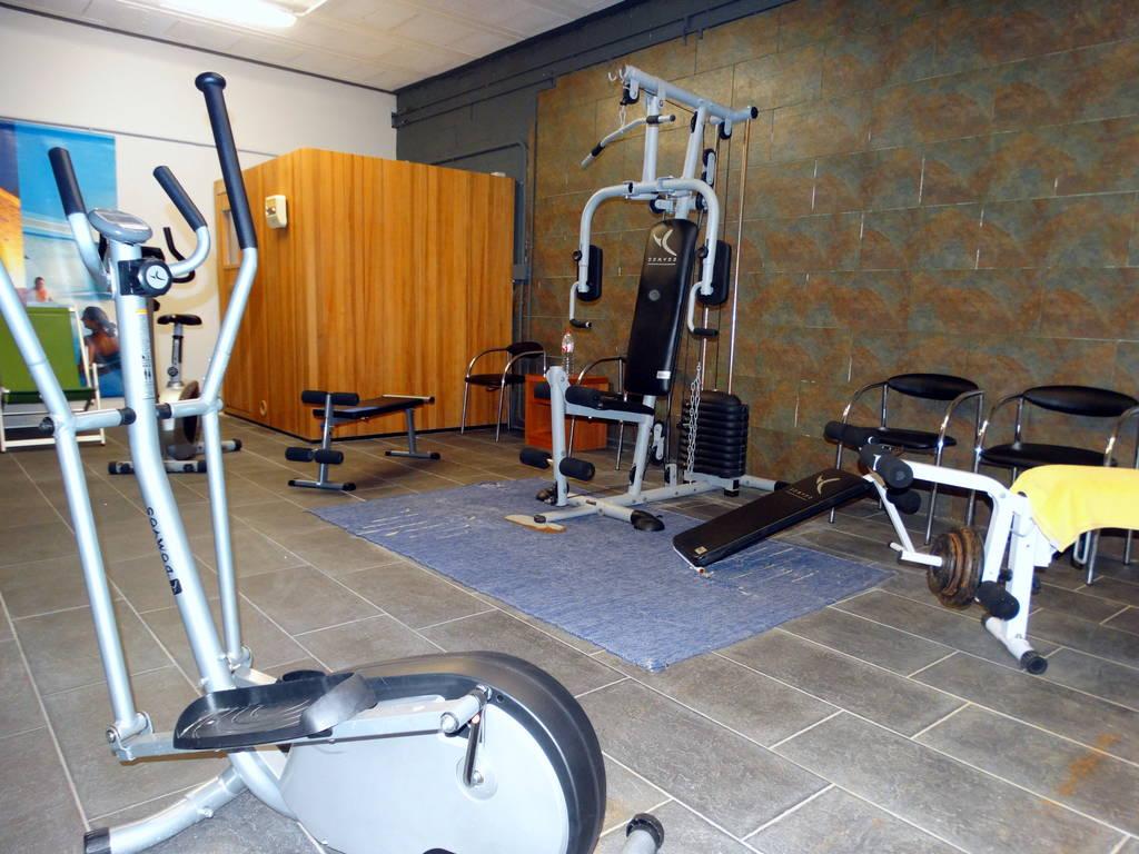 Apartment MAS FERRAN  PRECIOSA VILLA DE LUJO CON PISTA DE TENIS  PISCINA  GIMNASIO Y WIFI GRATUITO photo 26310926