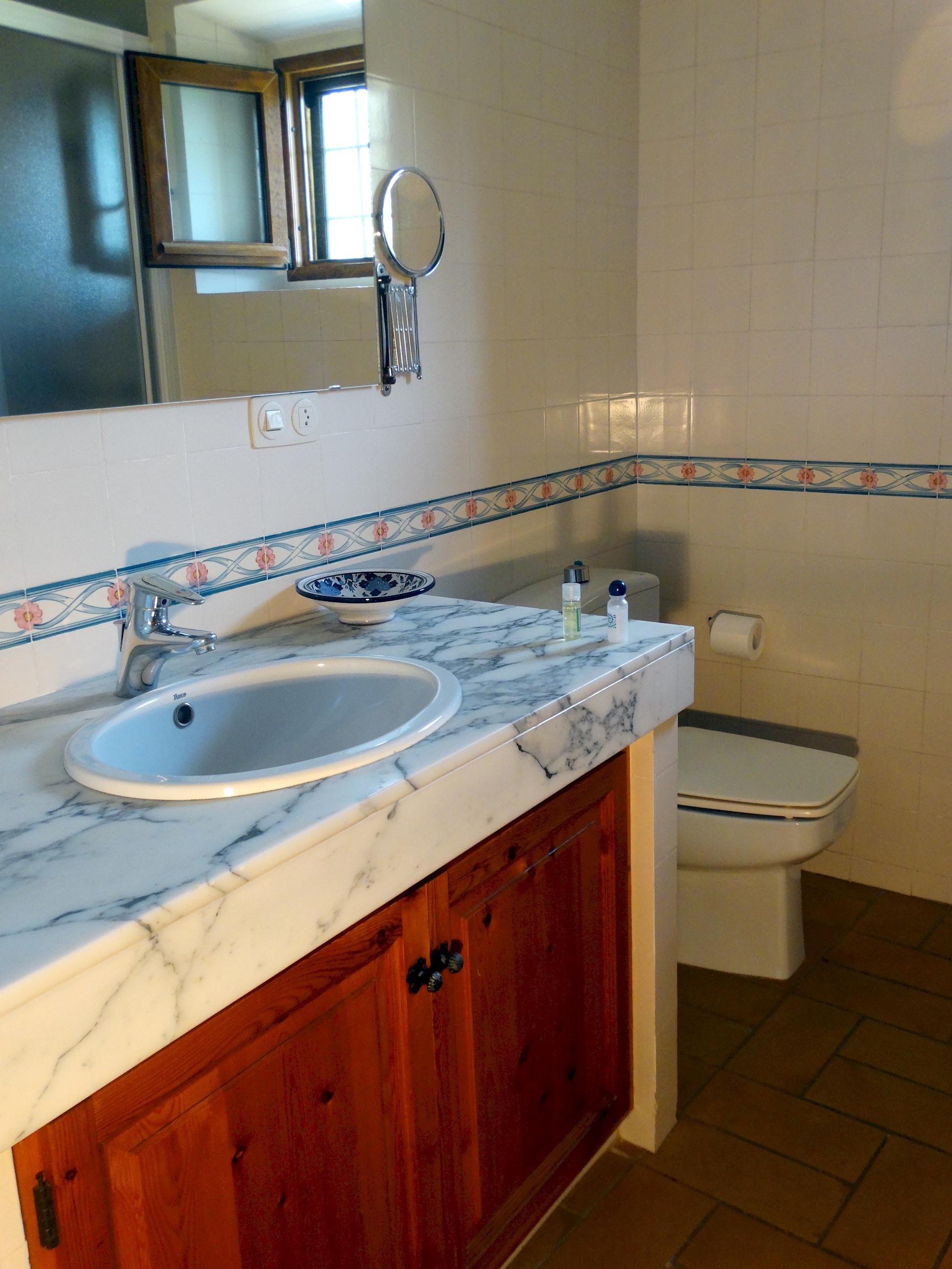 Apartment MAS BEL  ESPECTACULAR MASIA EN LLAGOSTERA CON PISCINA PRIVADA Y WIFI GRATUITO photo 24113254