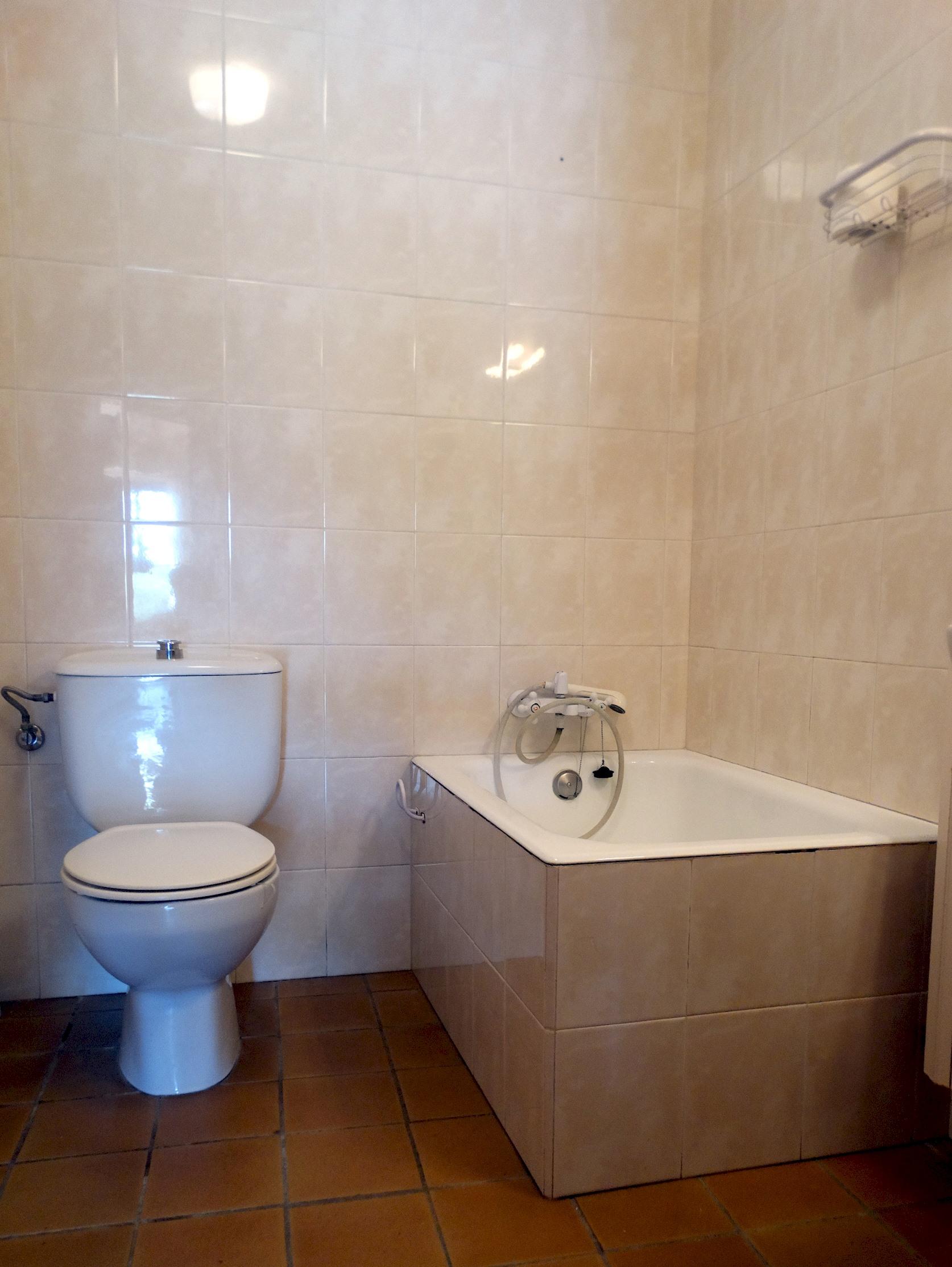 Apartment MAS BEL  ESPECTACULAR MASIA EN LLAGOSTERA CON PISCINA PRIVADA Y WIFI GRATUITO photo 24113256