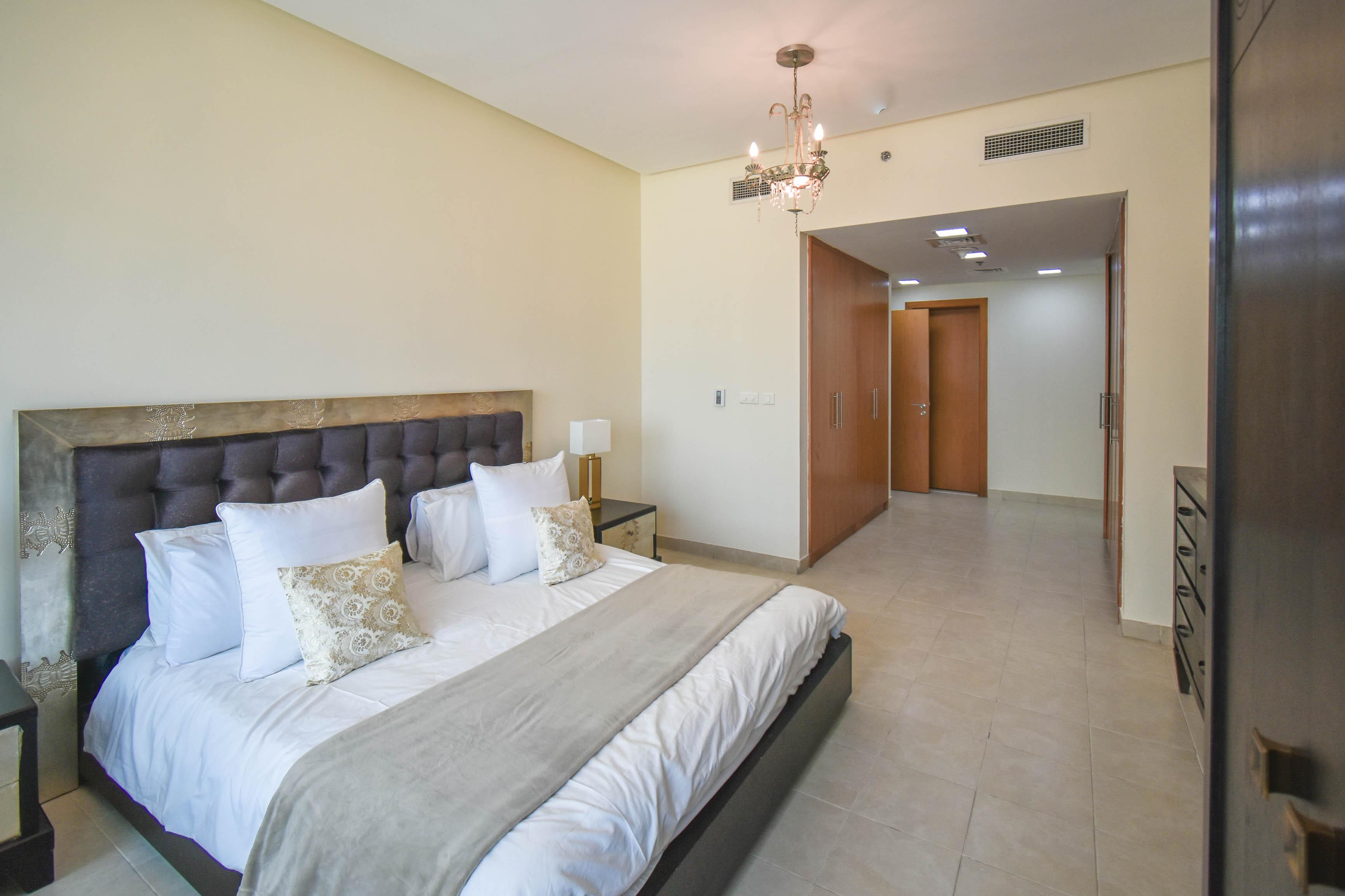 Dubai Spacious 2 bedrooms JLT 4