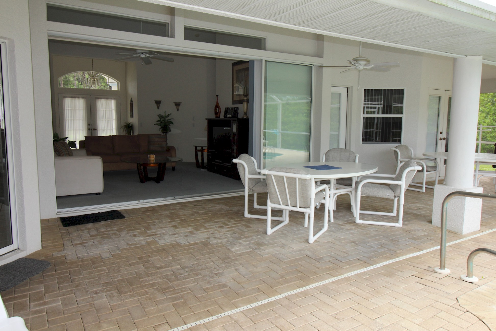 Apartment Paradise by lakeside   views over golf course  fantastic 2 master suites  photo 22454831