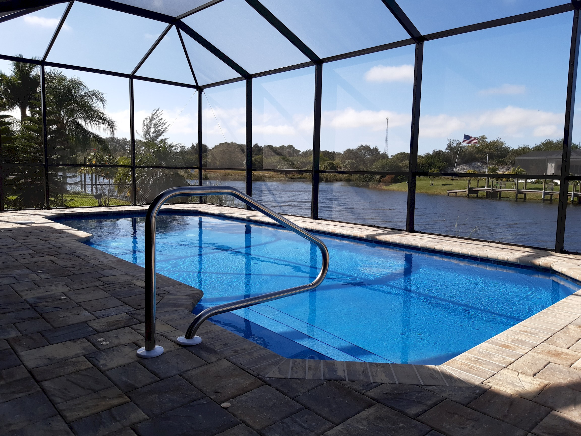 Stunning BRAND NEW 3 bed home, fabulous pool overlooking river,  photo 25100529
