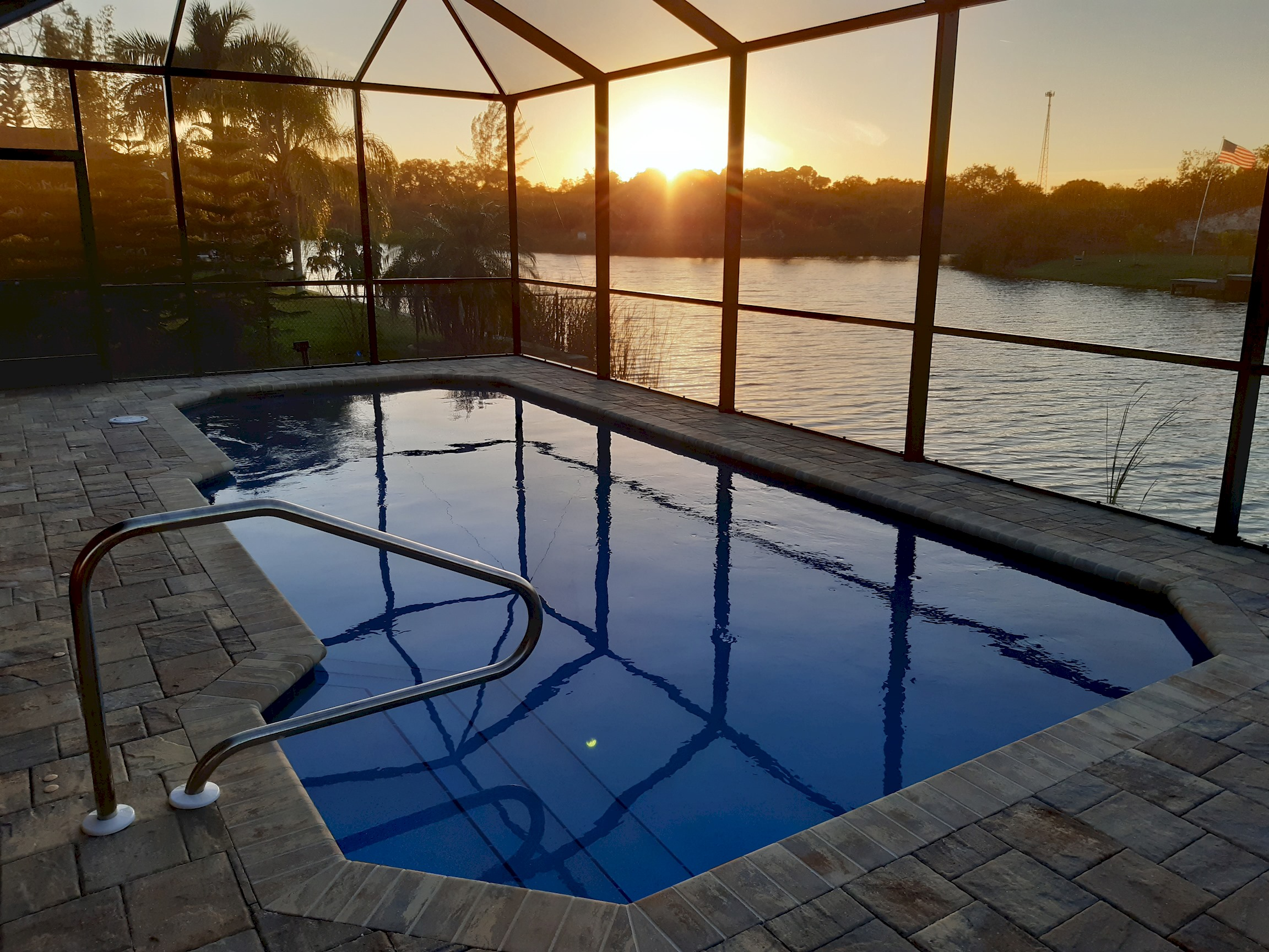 Stunning BRAND NEW 3 bed home, fabulous pool overlooking river,  photo 25100530