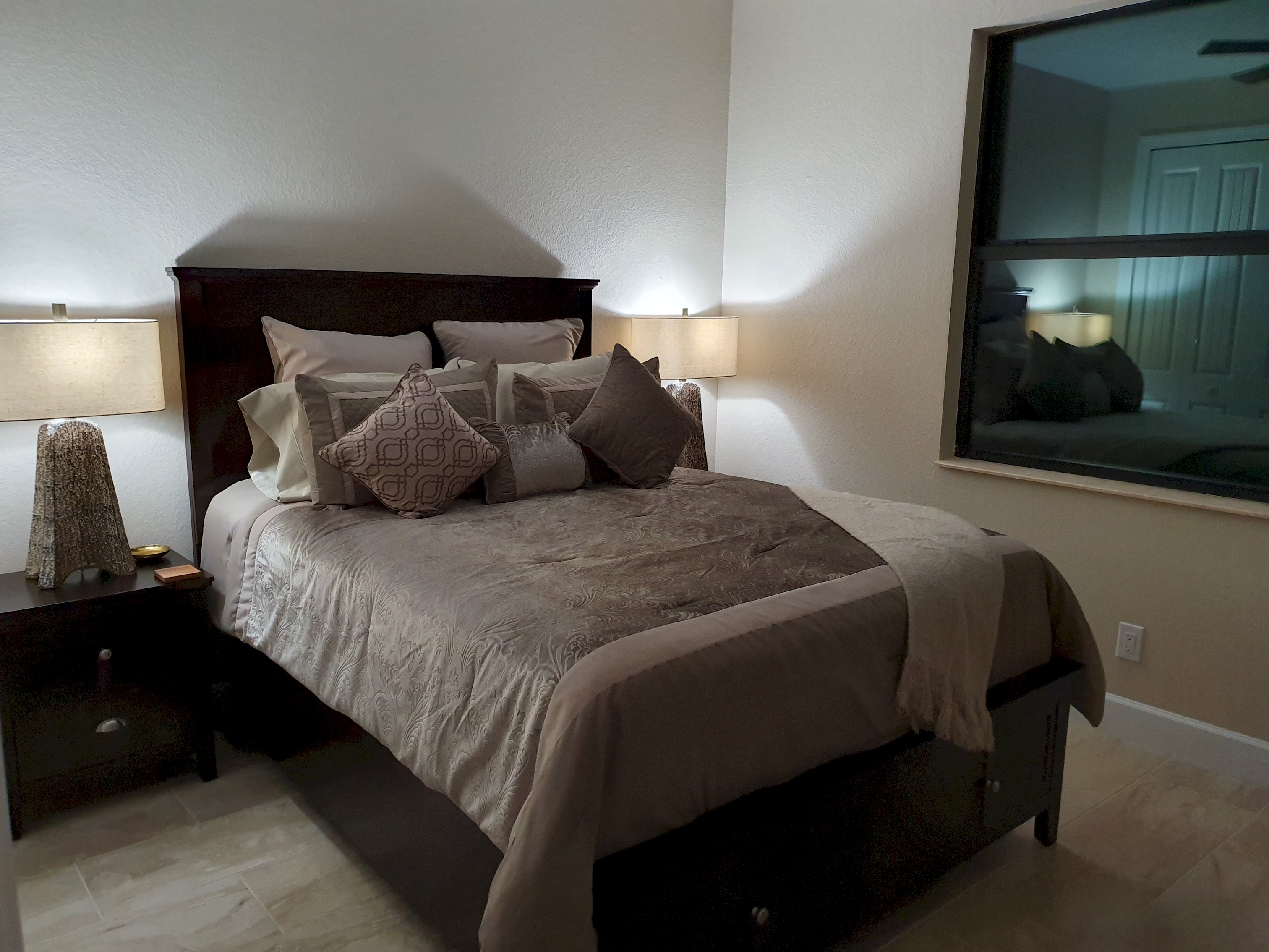 Apartment Stunning BRAND NEW 3 bed home  fabulous pool overlooking river   photo 25100537