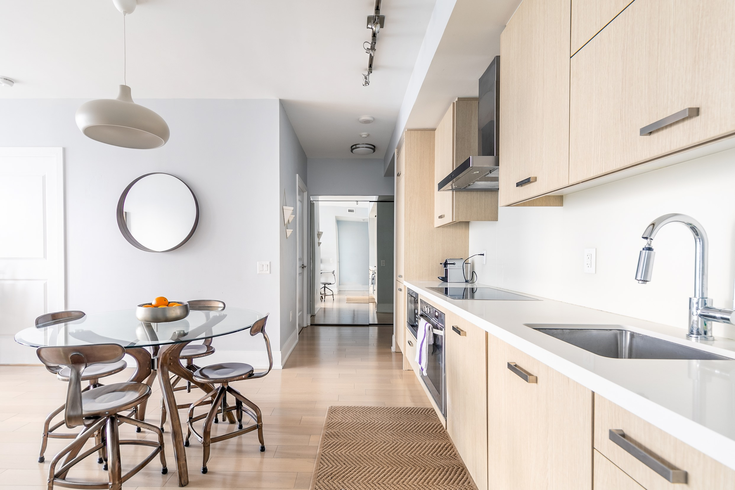 Luxury Living In King West photo 19178780