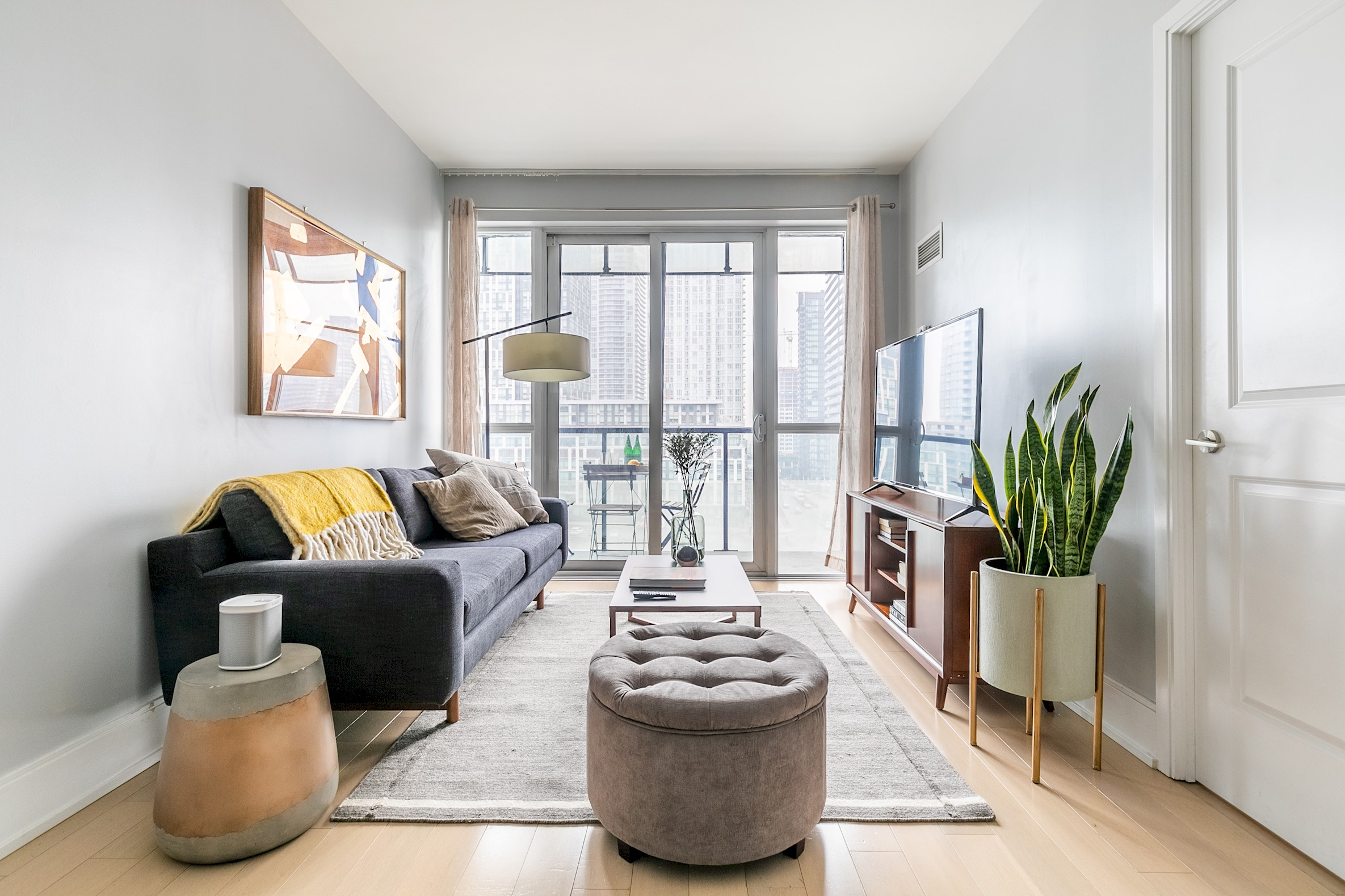 Luxury Living In King West photo 19032440