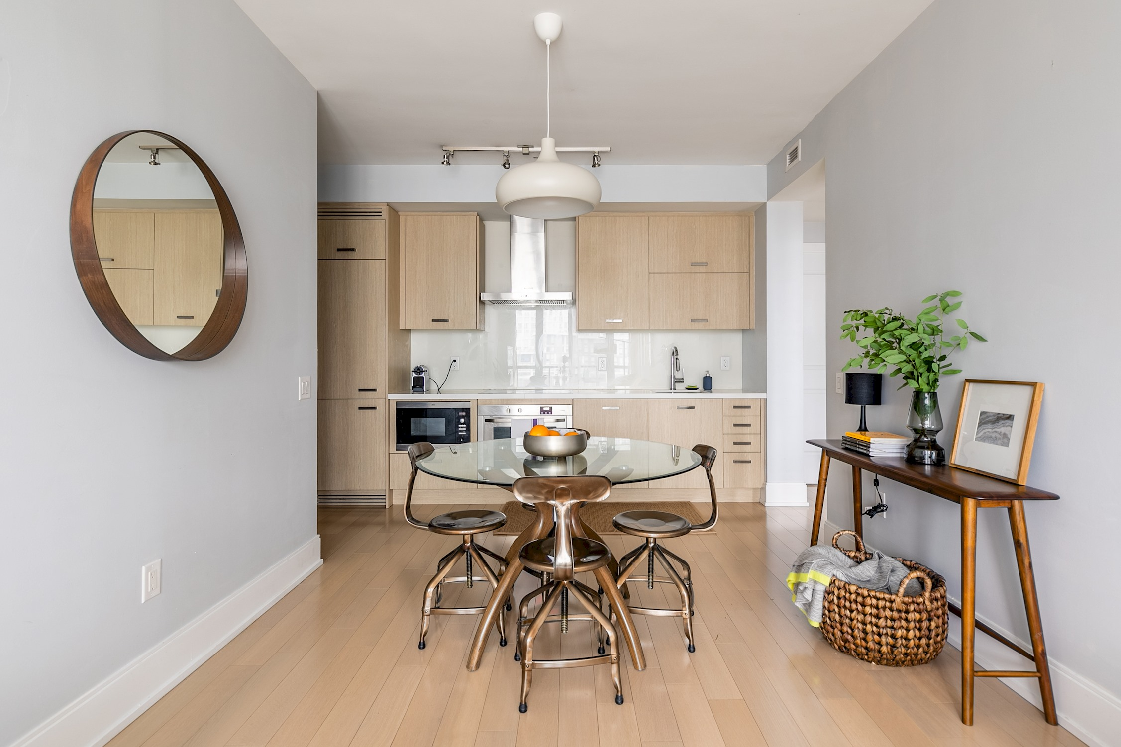 Luxury Living In King West photo 19032444