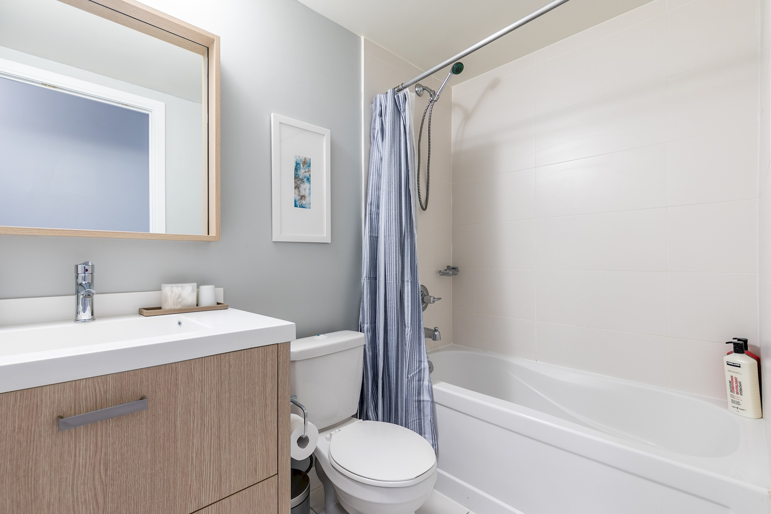 Apartment Luxury Living In King West photo 18910150
