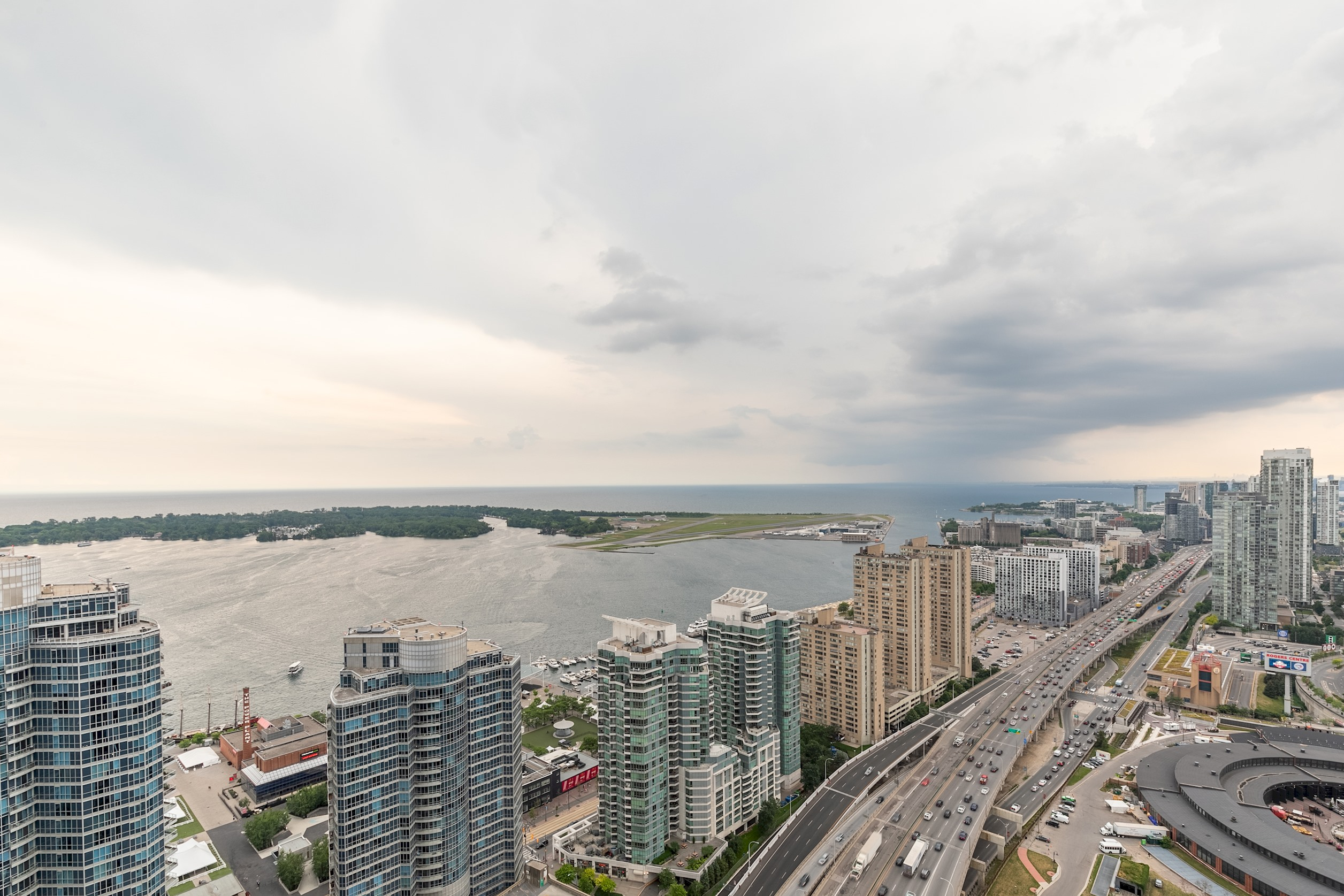 Apartment Luxury Corner Suite with Panoramic View II photo 20292228