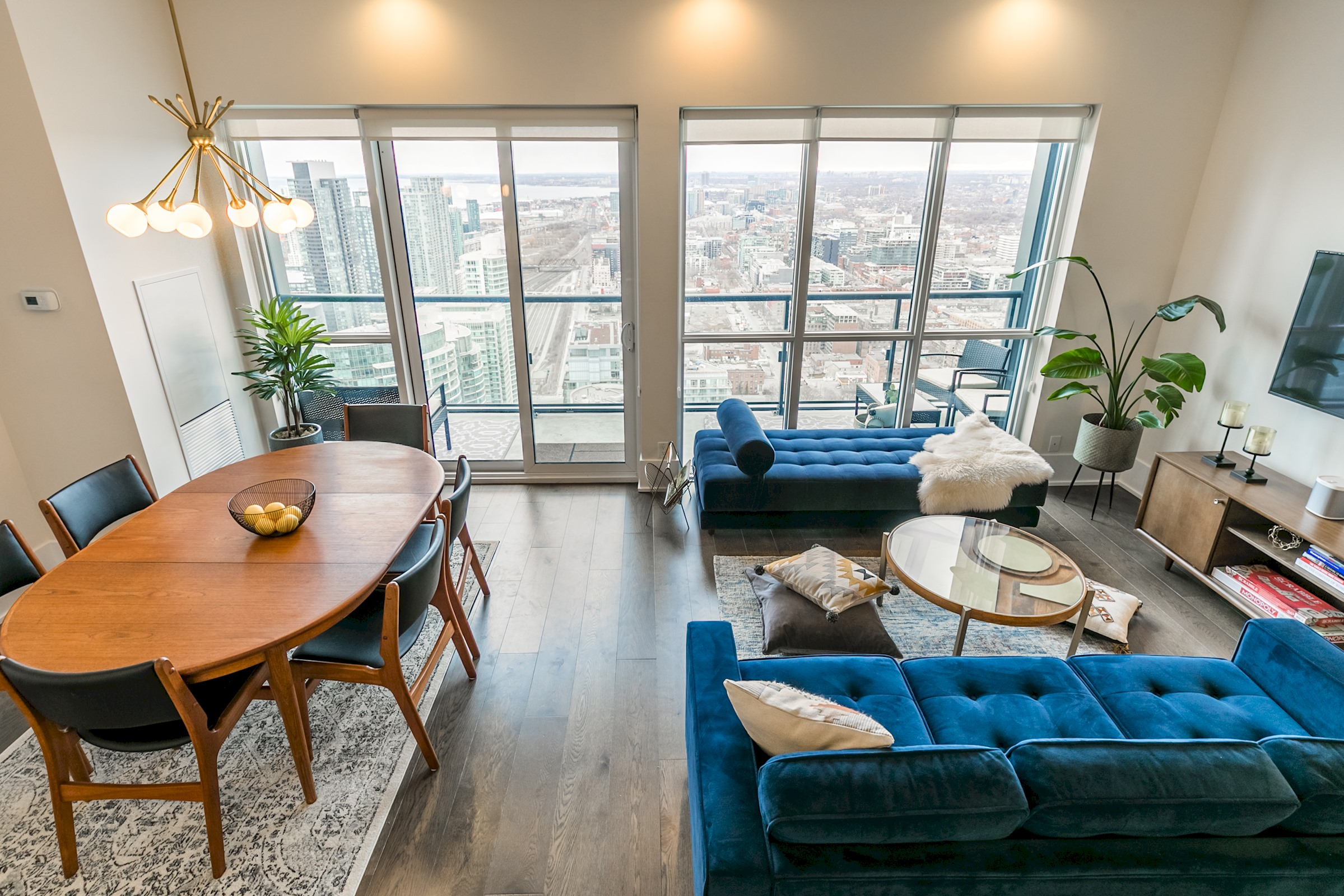 Apartment Mid-Century Suite with Majestic Sunset View photo 20292238