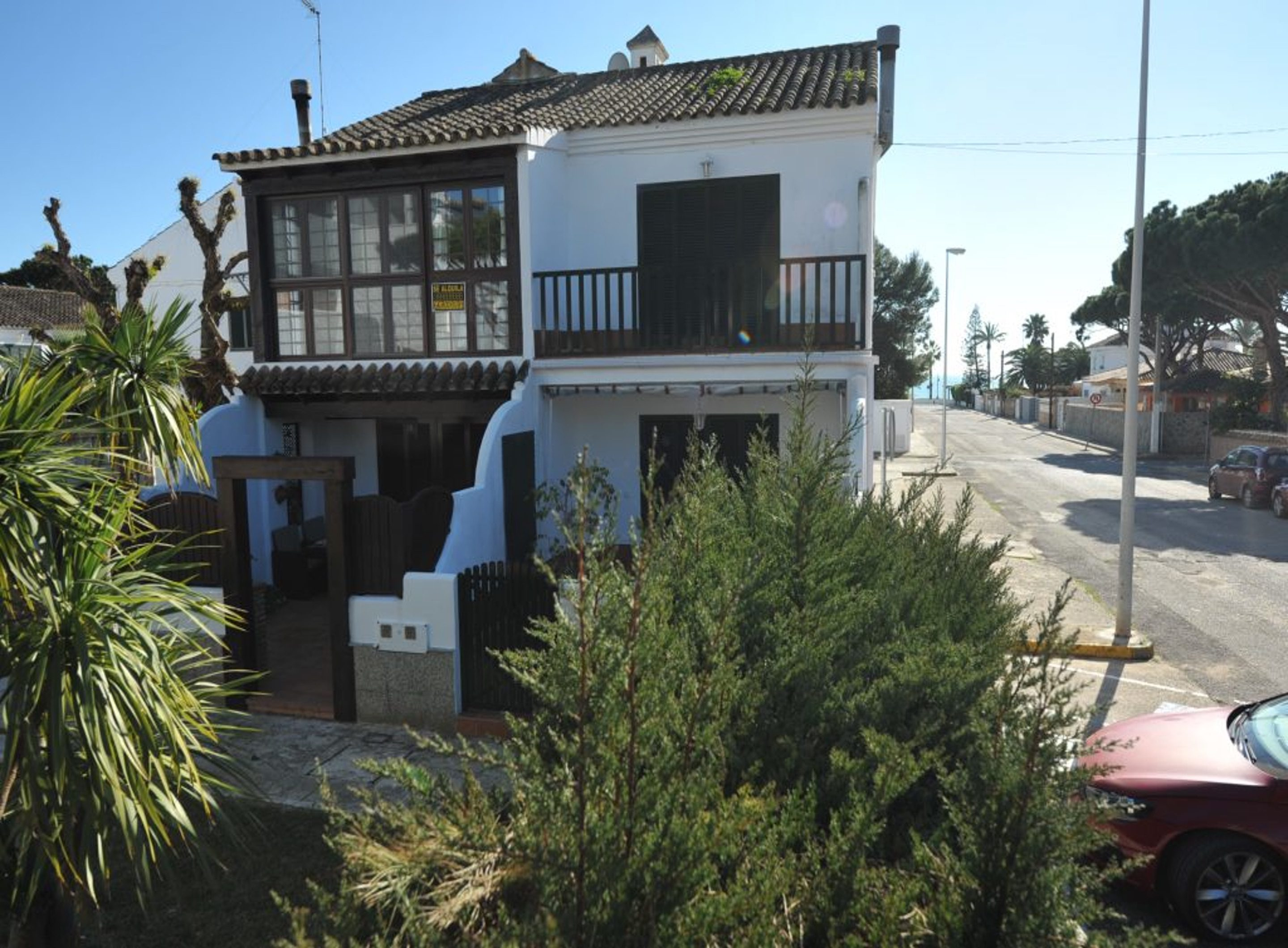 4BR Townhouse in 150m to the Beach by Rafleys in La Barrosa, Chiclana