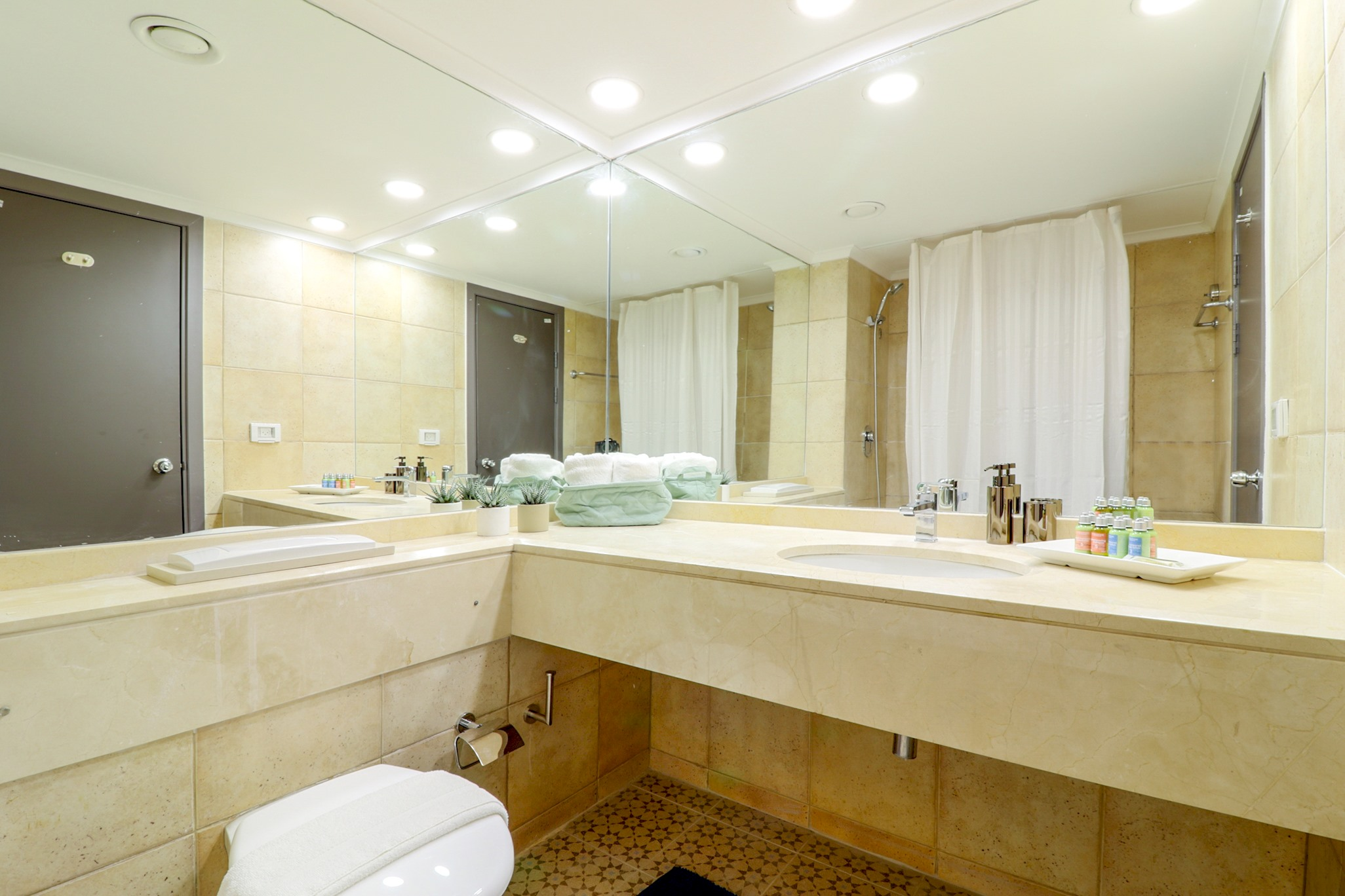 One bedroom sea view apartment photo 15977400
