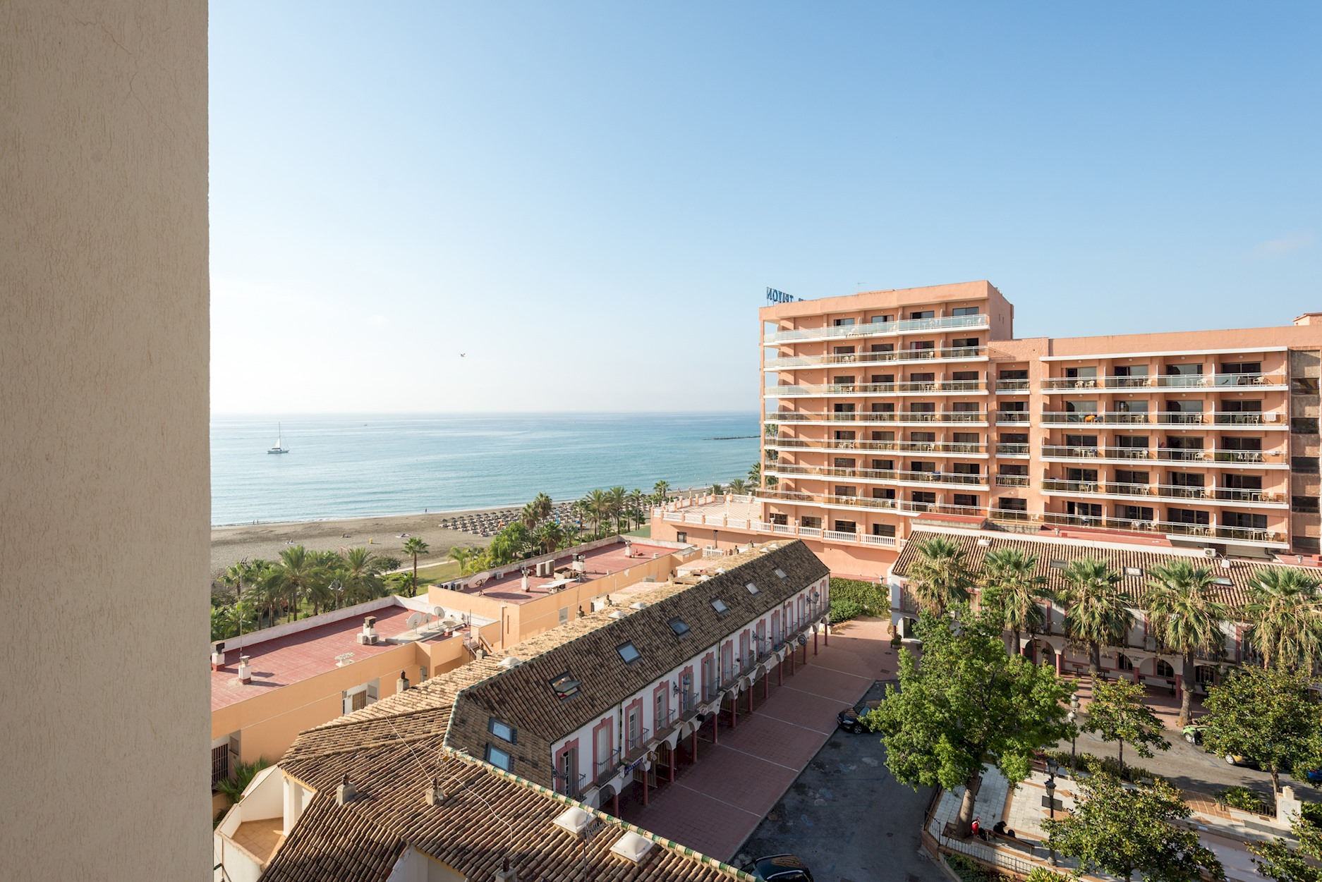 Apartment MalagaSuite Front Beach Benalmadena photo 22954627