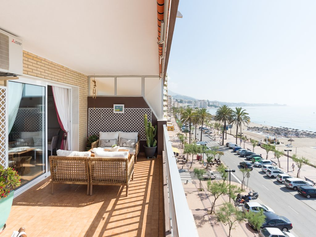 Apartment MalagaSuite Palm Beach Fuengirola photo 18365703