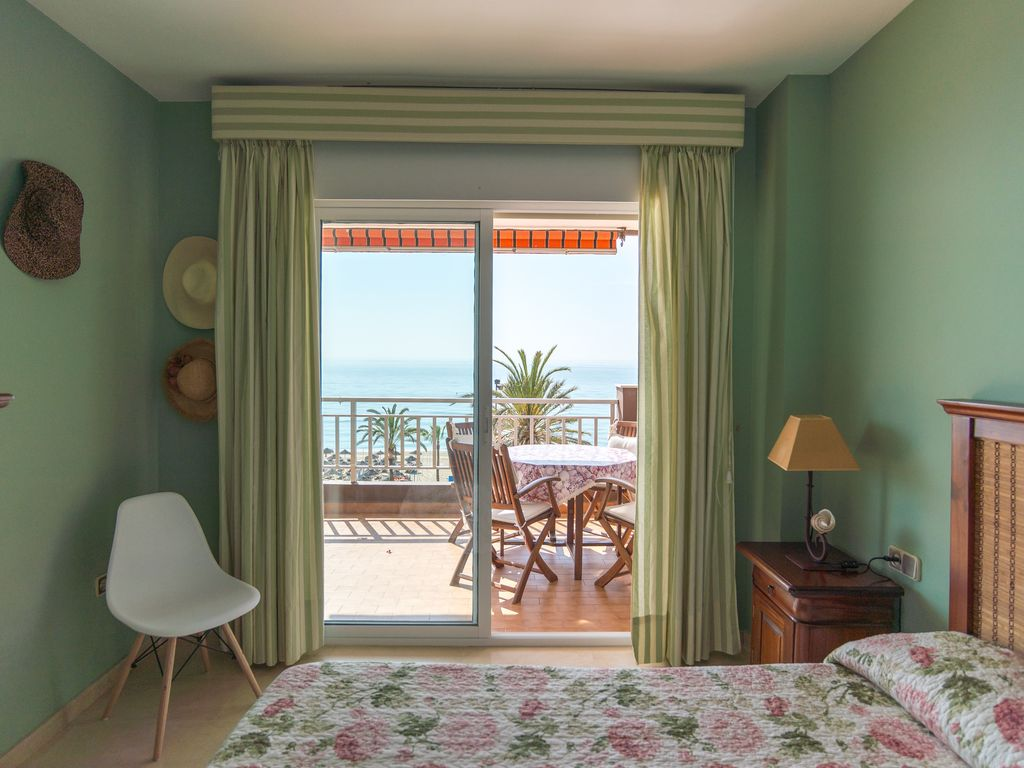 Apartment MalagaSuite Palm Beach Fuengirola photo 18365709