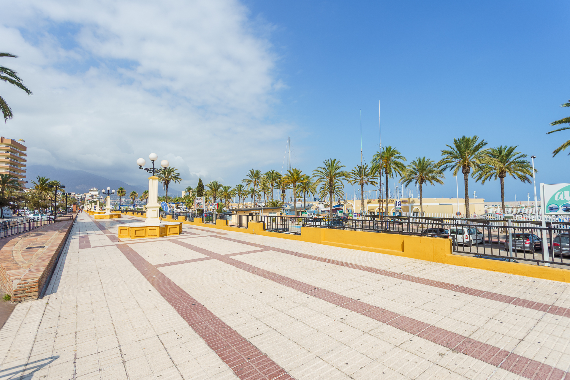 MalagaSuite Fuengirola Beach photo 15619116