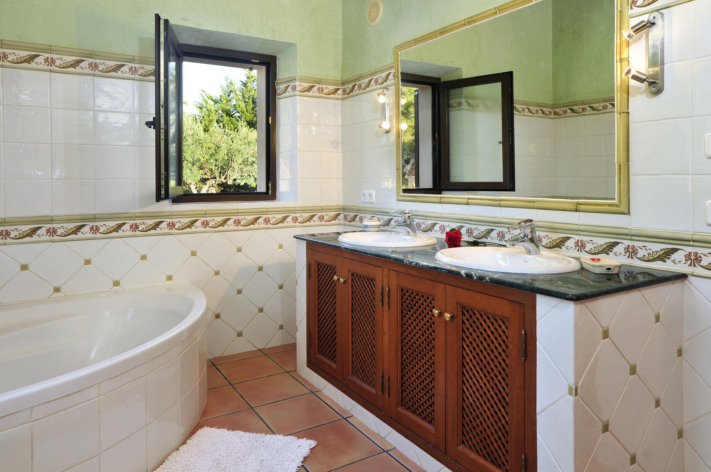 Apartment Es Castell photo 20445263