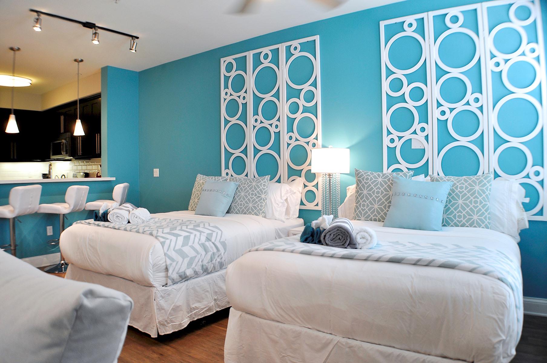 103 · Luxury Hollywood 4 beds Studio + pool free parking photo 20316411