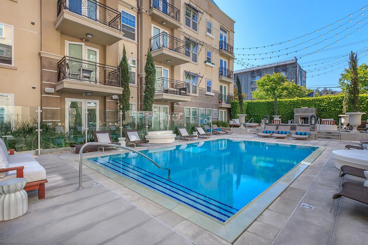 Apartment 103    Luxury Hollywood 4 beds Studio   pool free parking photo 20388238