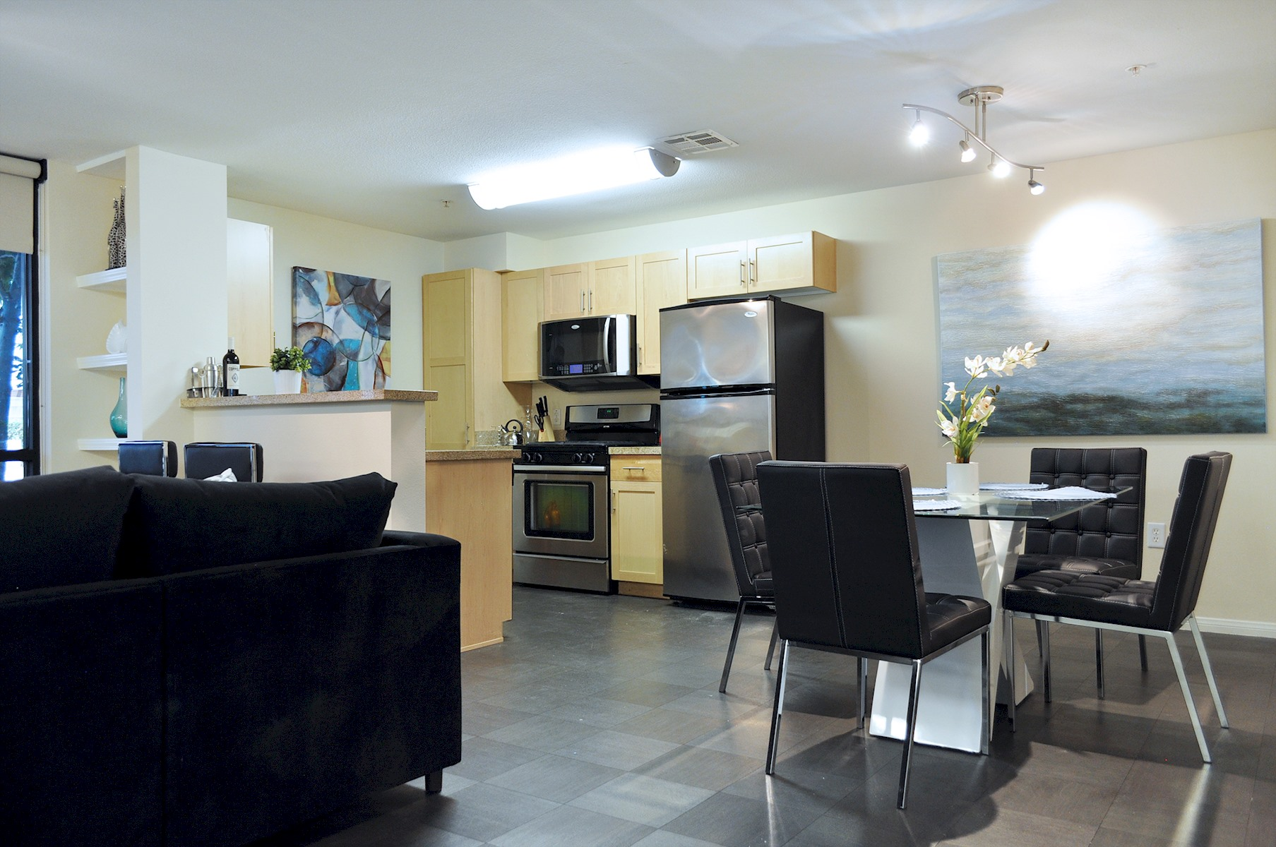 Apartment 201    VIP HEART OF HOLLYWOOD 5 Beds plus Pool  1  Change listing photo 16887582
