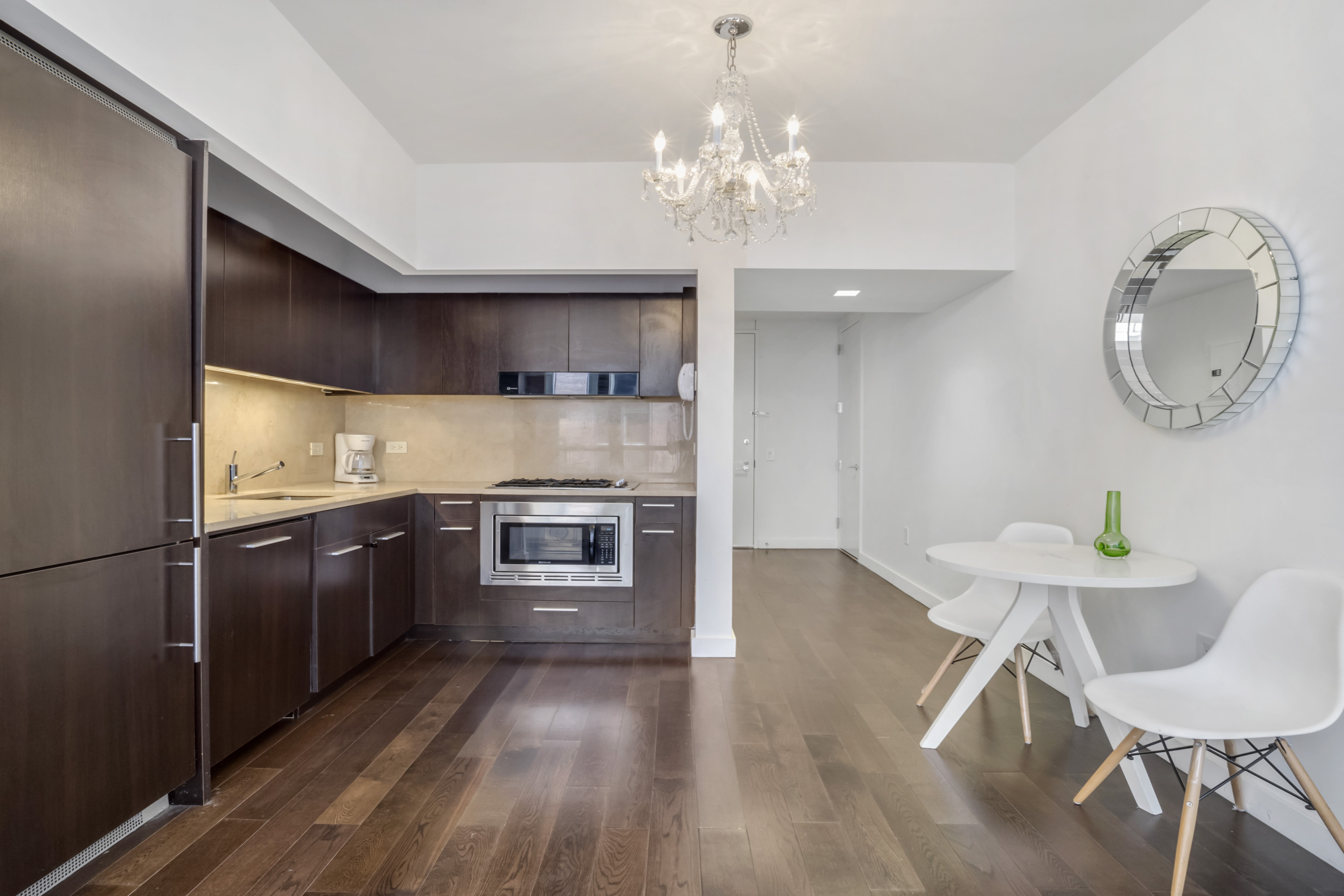 Apartment 201    VIP HEART OF HOLLYWOOD 5 Beds plus Pool  1  Change listing photo 16994730
