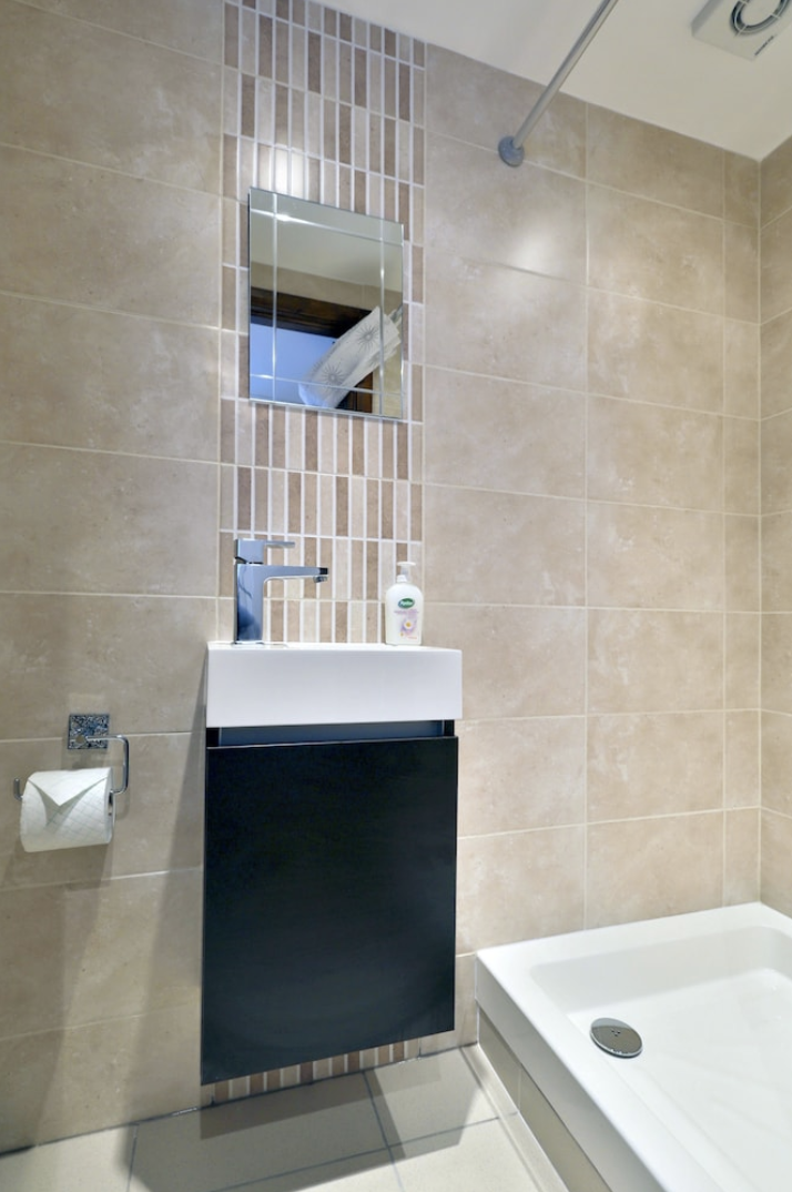 Apartment King s Cross Eurostar Double Room - Shared Bathroom - Shared Kitchen  ROOM 4  photo 25594471