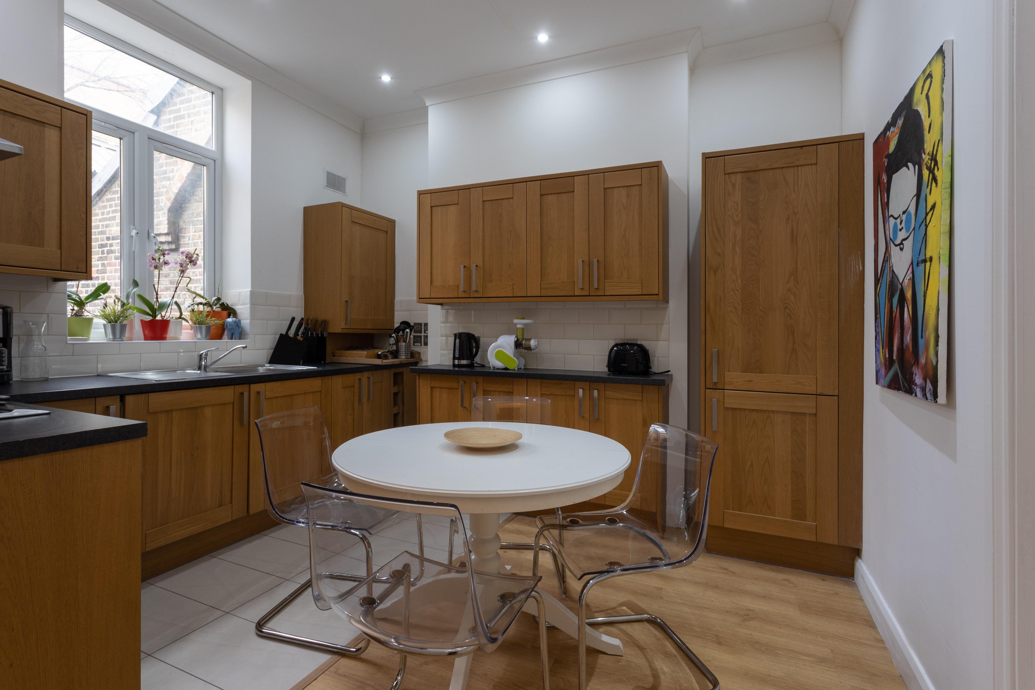 Apartment King s Cross Eurostar Double Room - Shared Bathroom - Shared Kitchen  ROOM 4  photo 26059384
