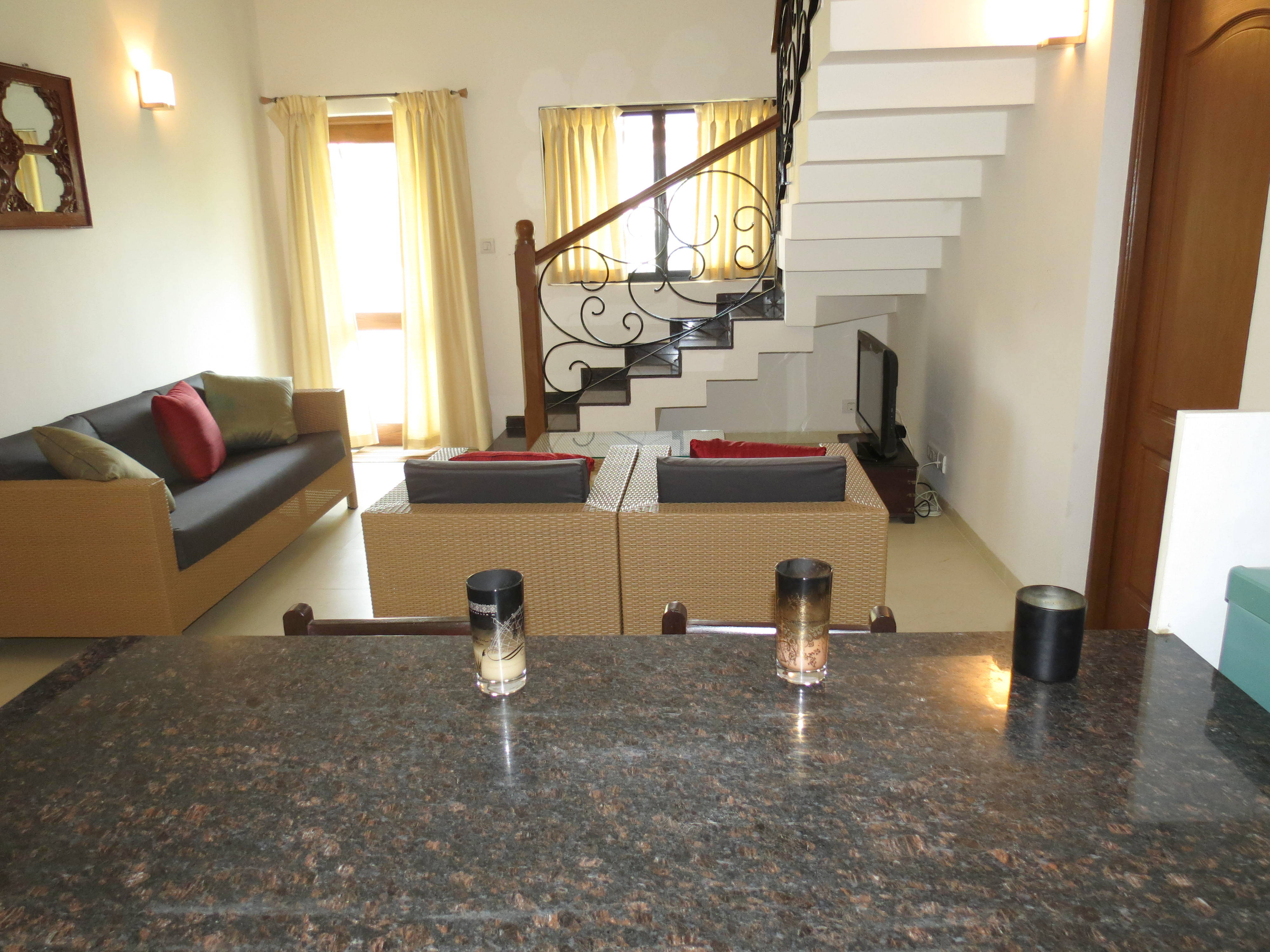 Apartment 04  Spacious luxurious 2 bedroom serviced apartment    WiFi photo 18819298