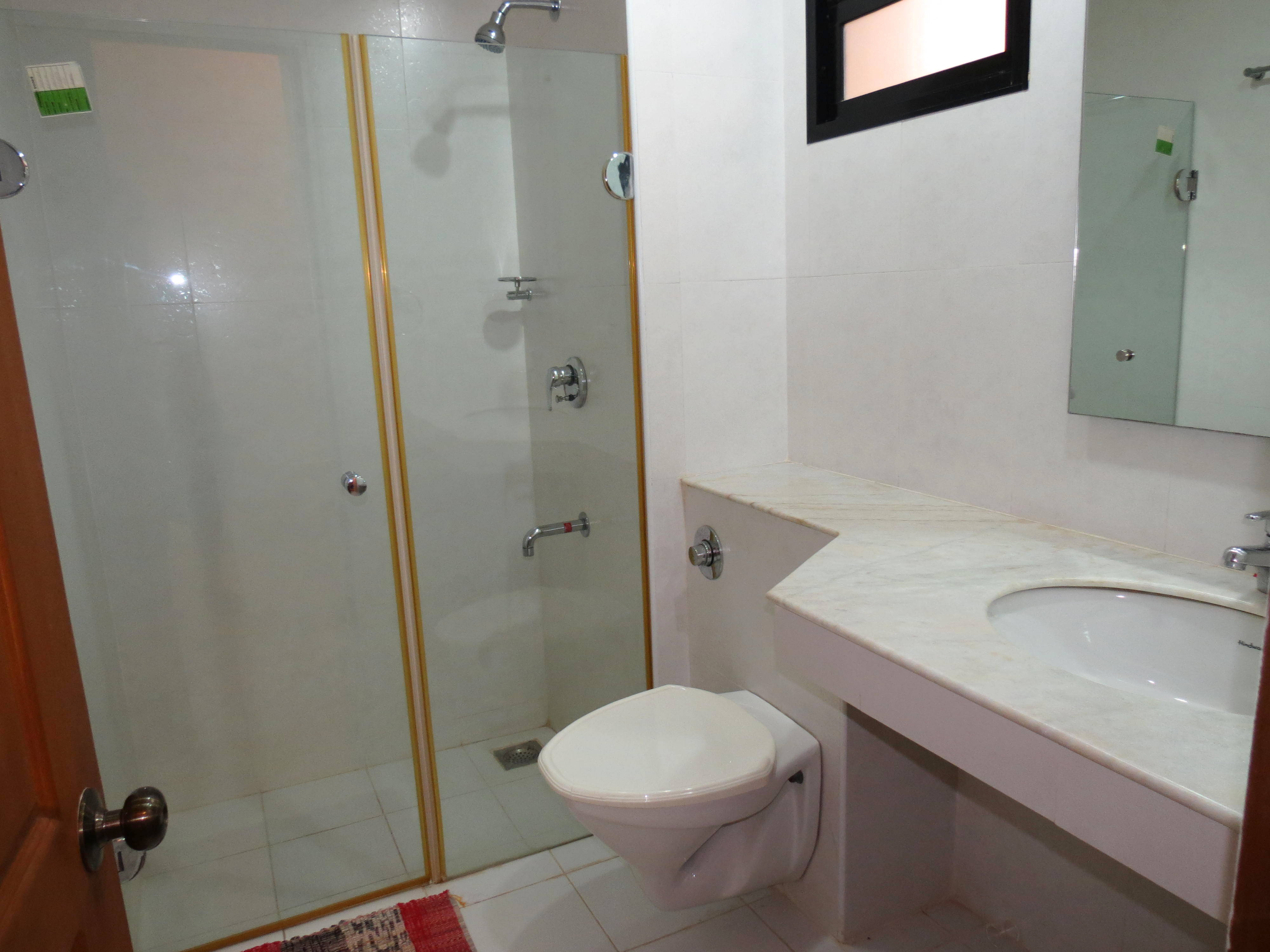 Apartment 04  Spacious luxurious 2 bedroom serviced apartment    WiFi photo 18187685
