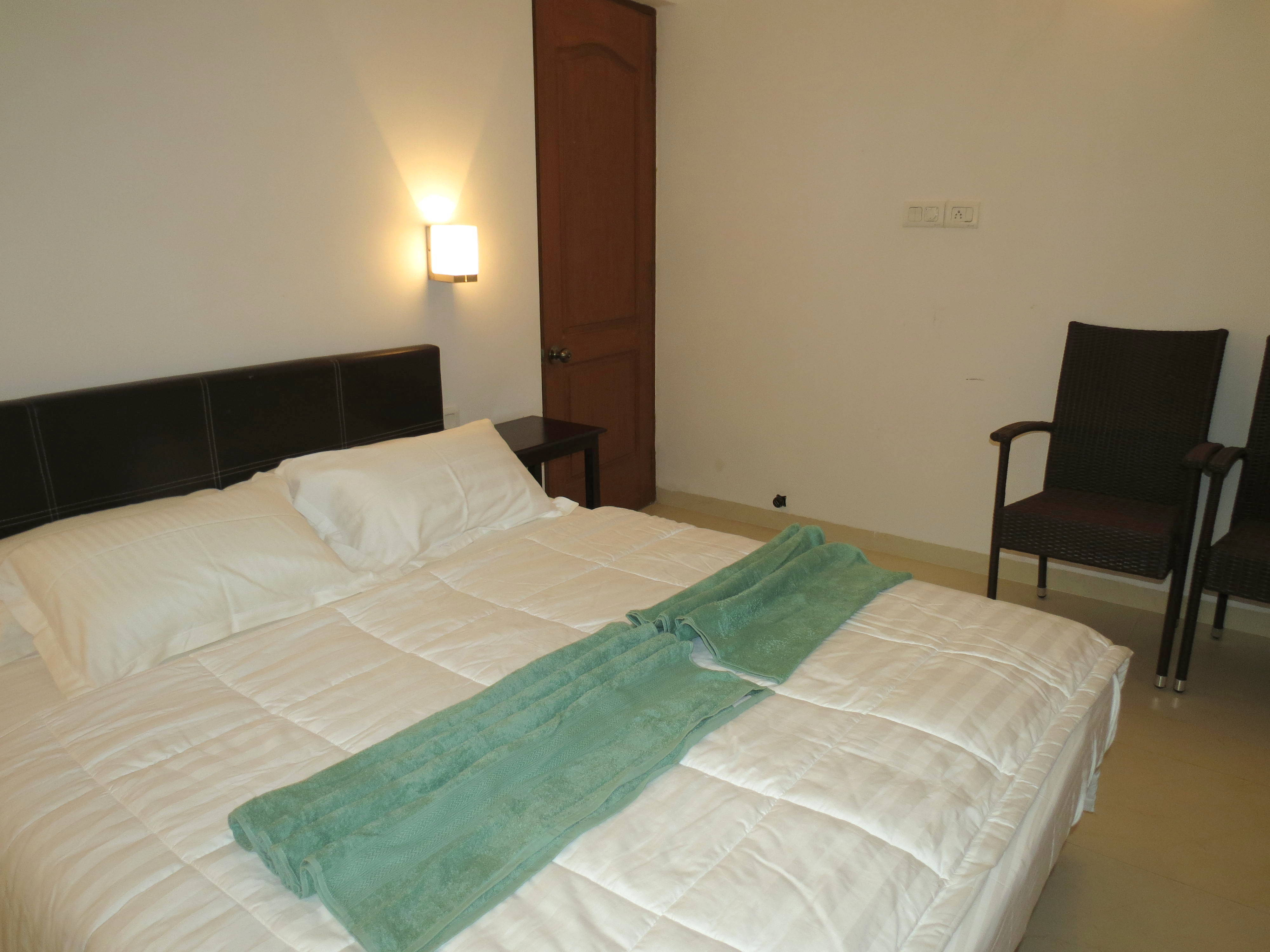 Apartment 04  Spacious luxurious 2 bedroom serviced apartment    WiFi photo 19030852