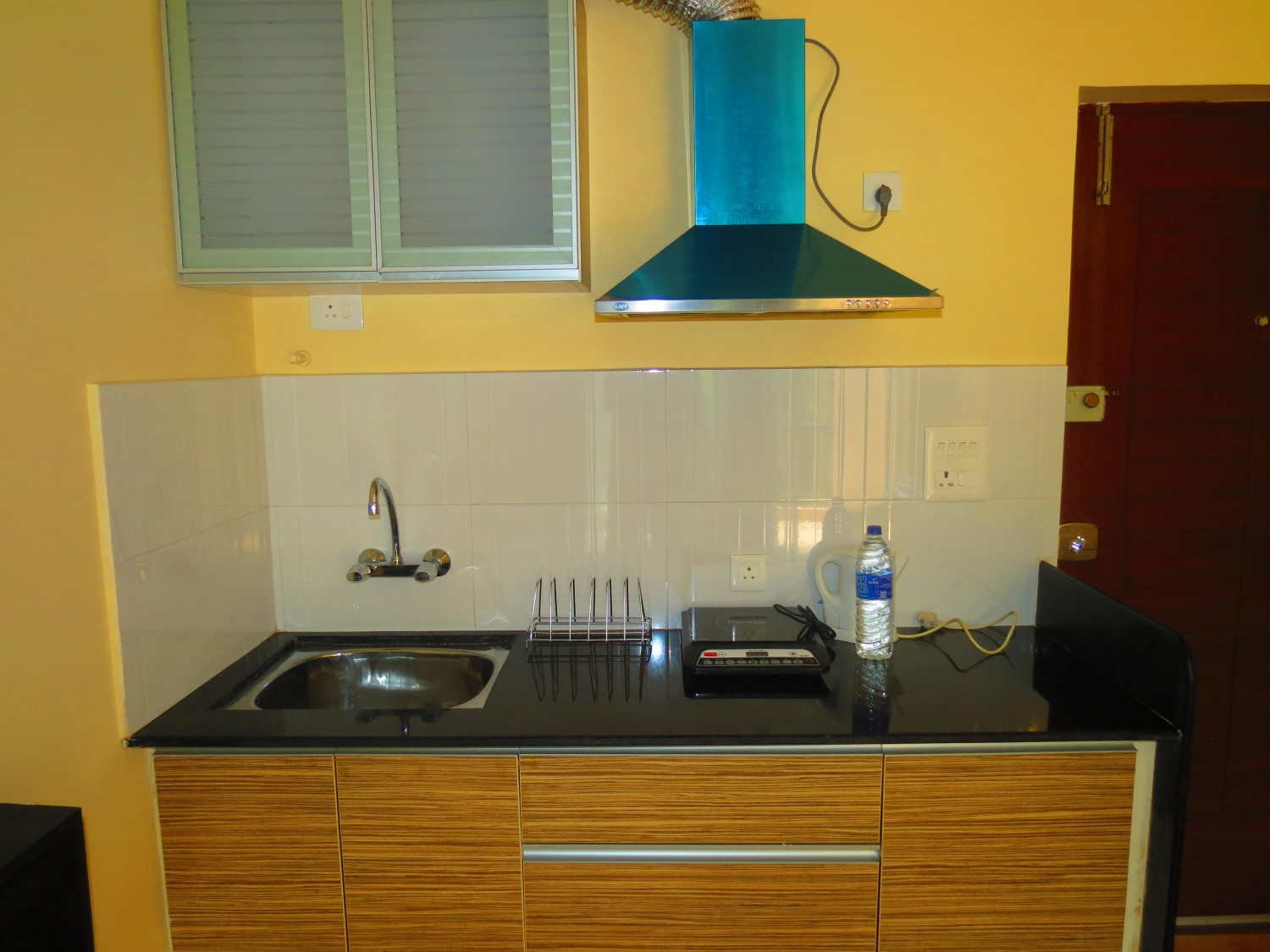 Apartment 11  Very Modern Furnished Serviced Apartment photo 19311469