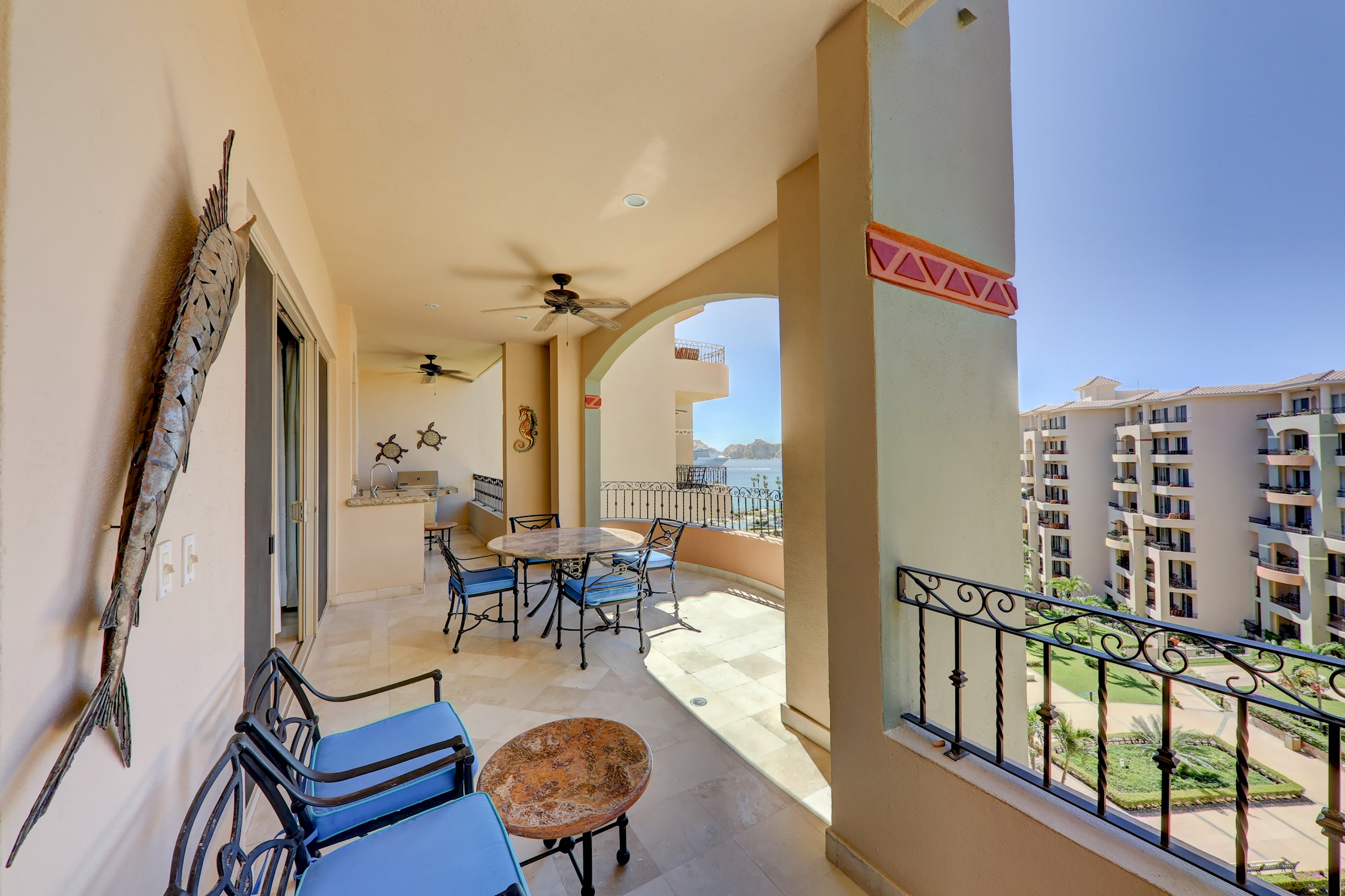 Premium Ocean View, 2 Bedrooms - 3 Bathrooms photo 22367957